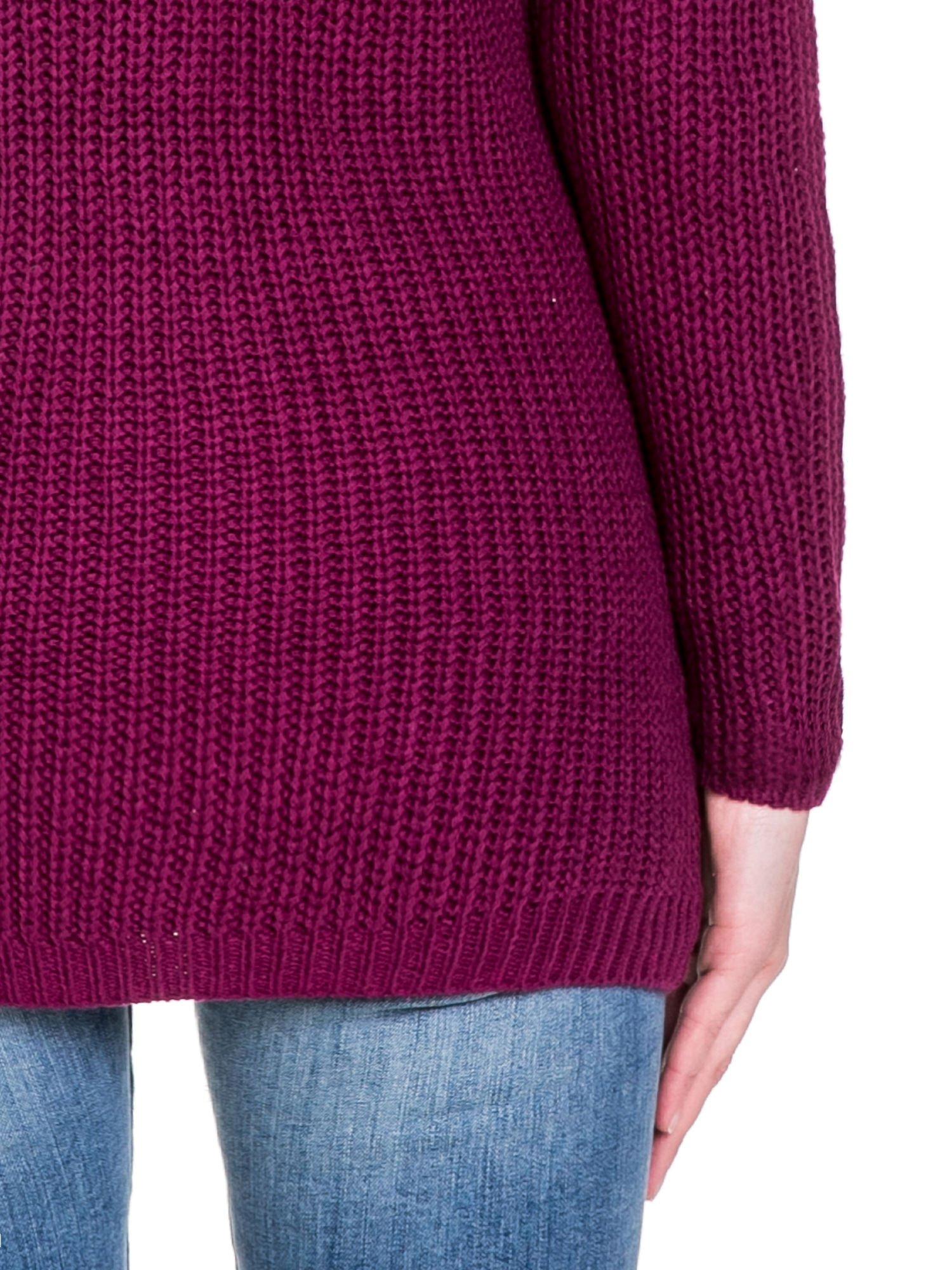 Bordowy ciepły sweter z golfowym kołnierzem                                  zdj.                                  8