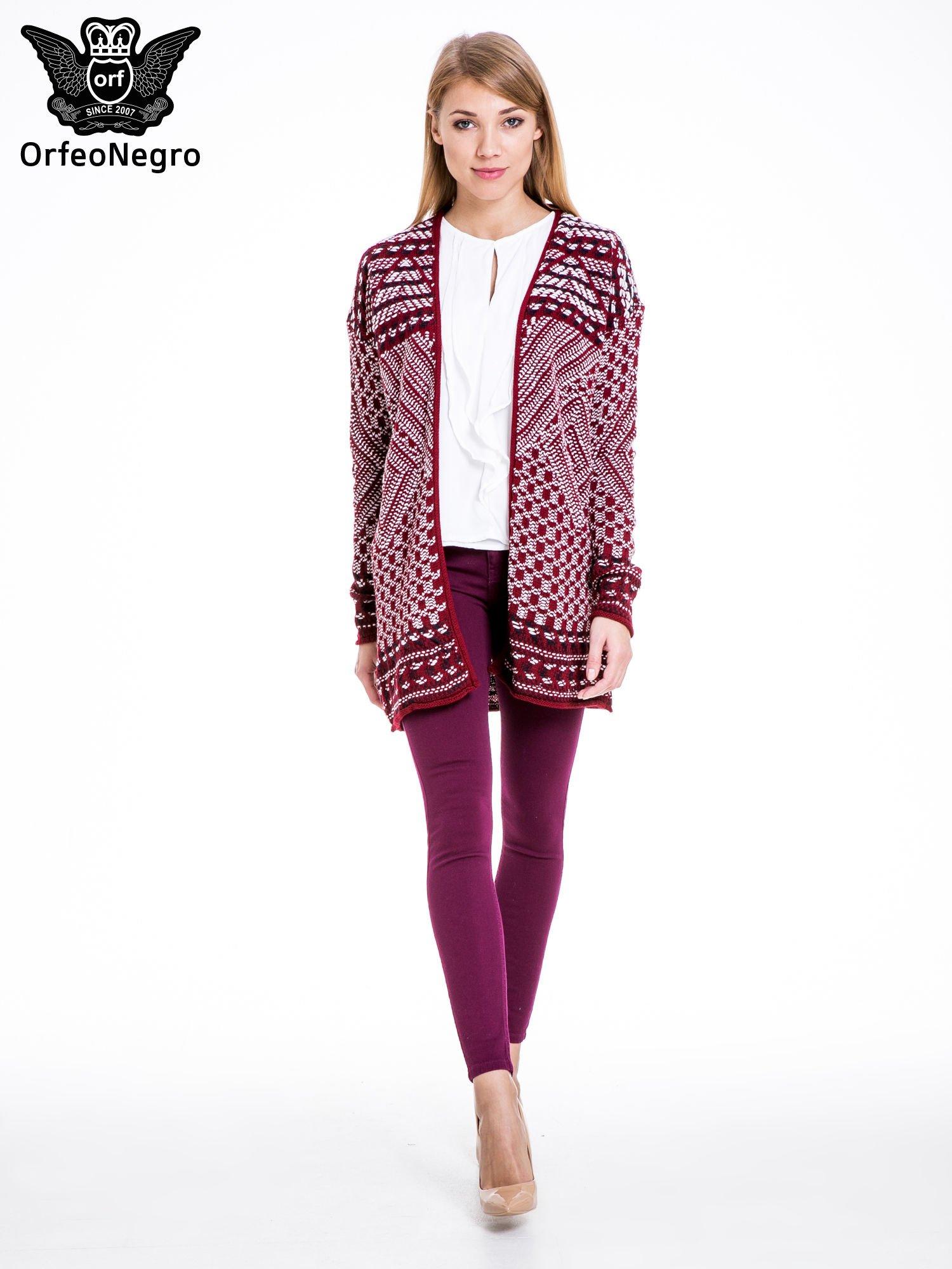 Bordowy sweter kardigan dziergany w etniczne wzory                                  zdj.                                  2