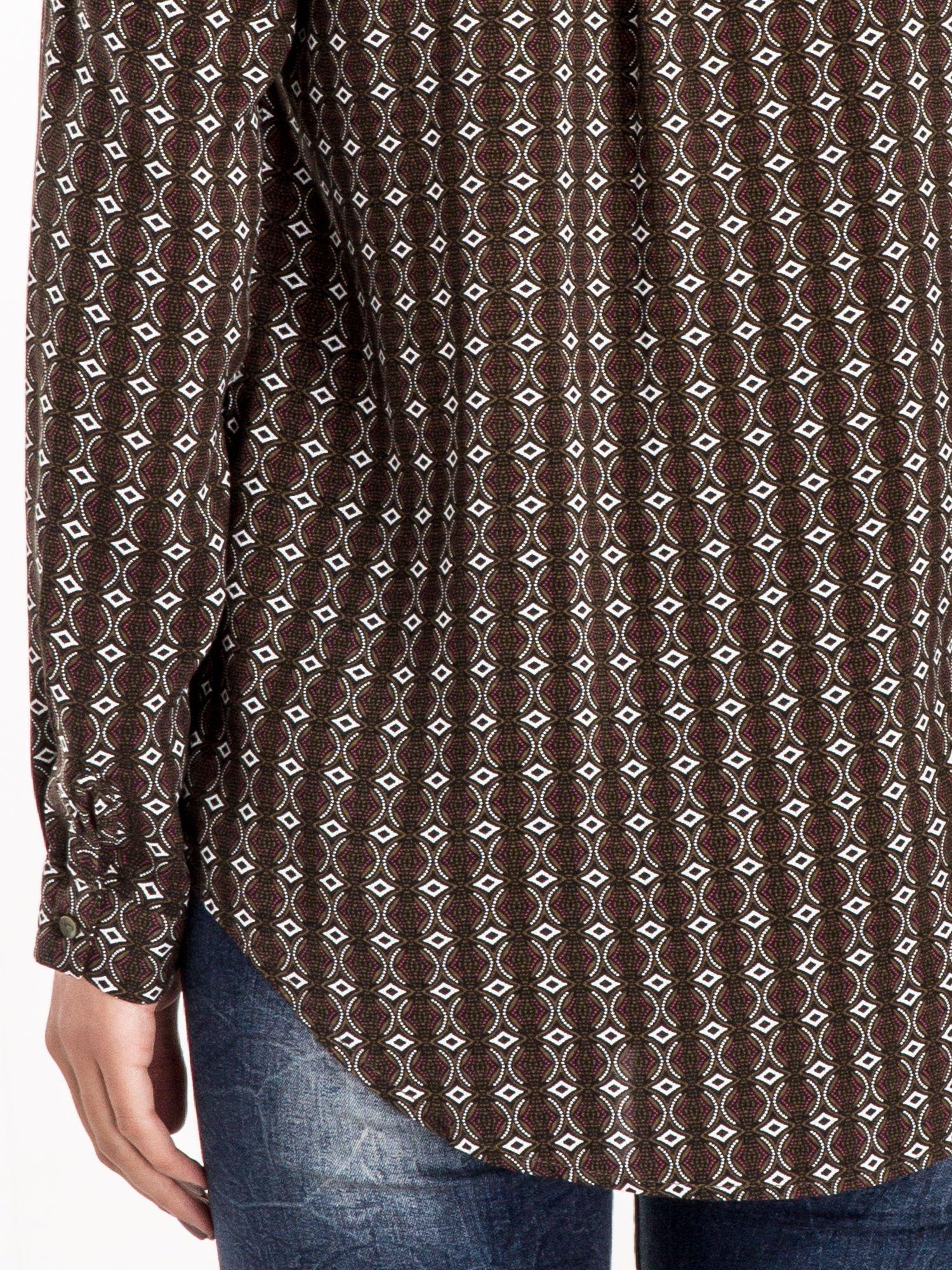 Brązowa koszula w geometryczne wzory                                  zdj.                                  5