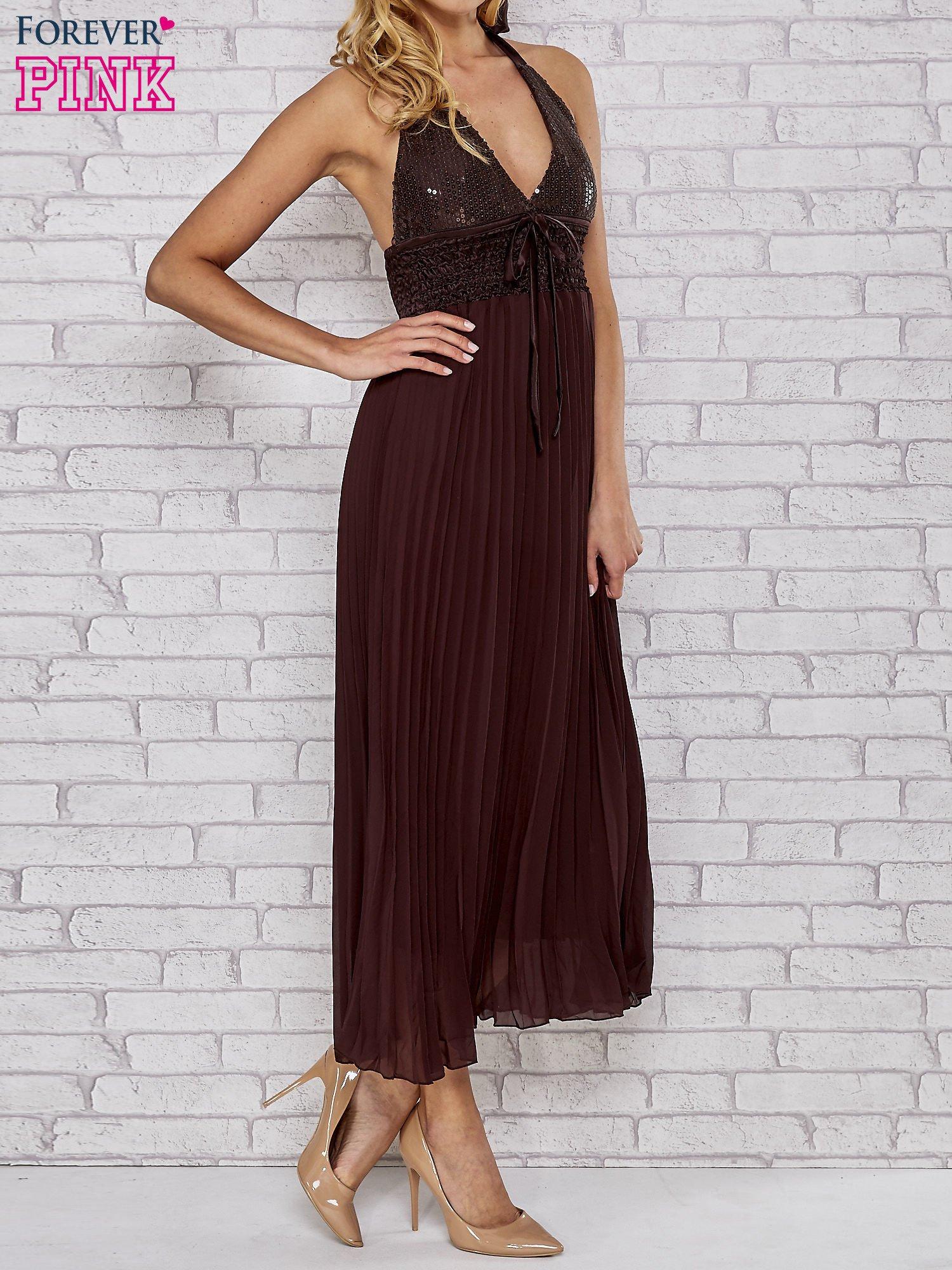 Brązowa plisowana sukienka maxi wiązana na plecach                                  zdj.                                  3