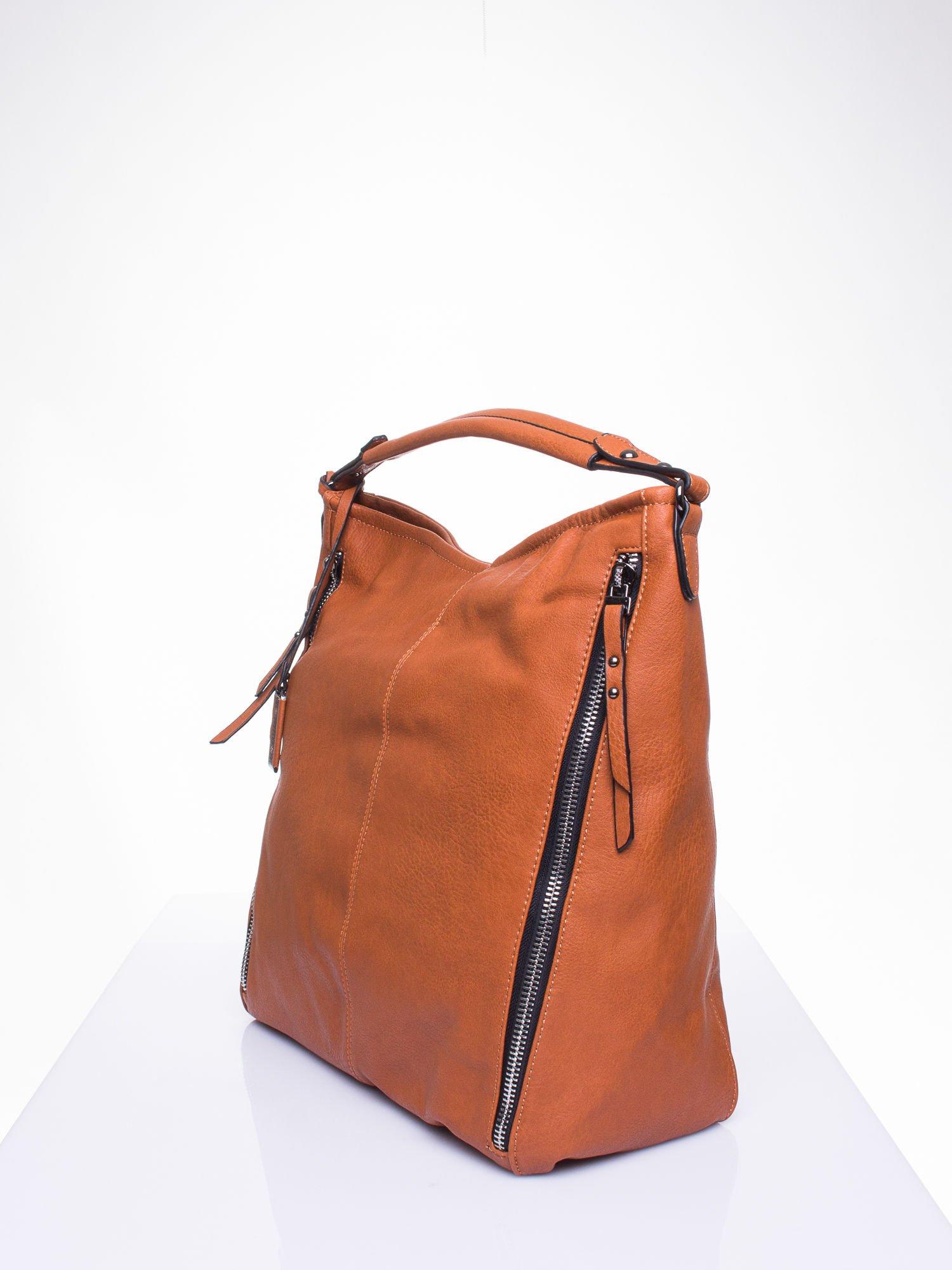 Brązowa torba hobo z suwakami po bokach                                  zdj.                                  3