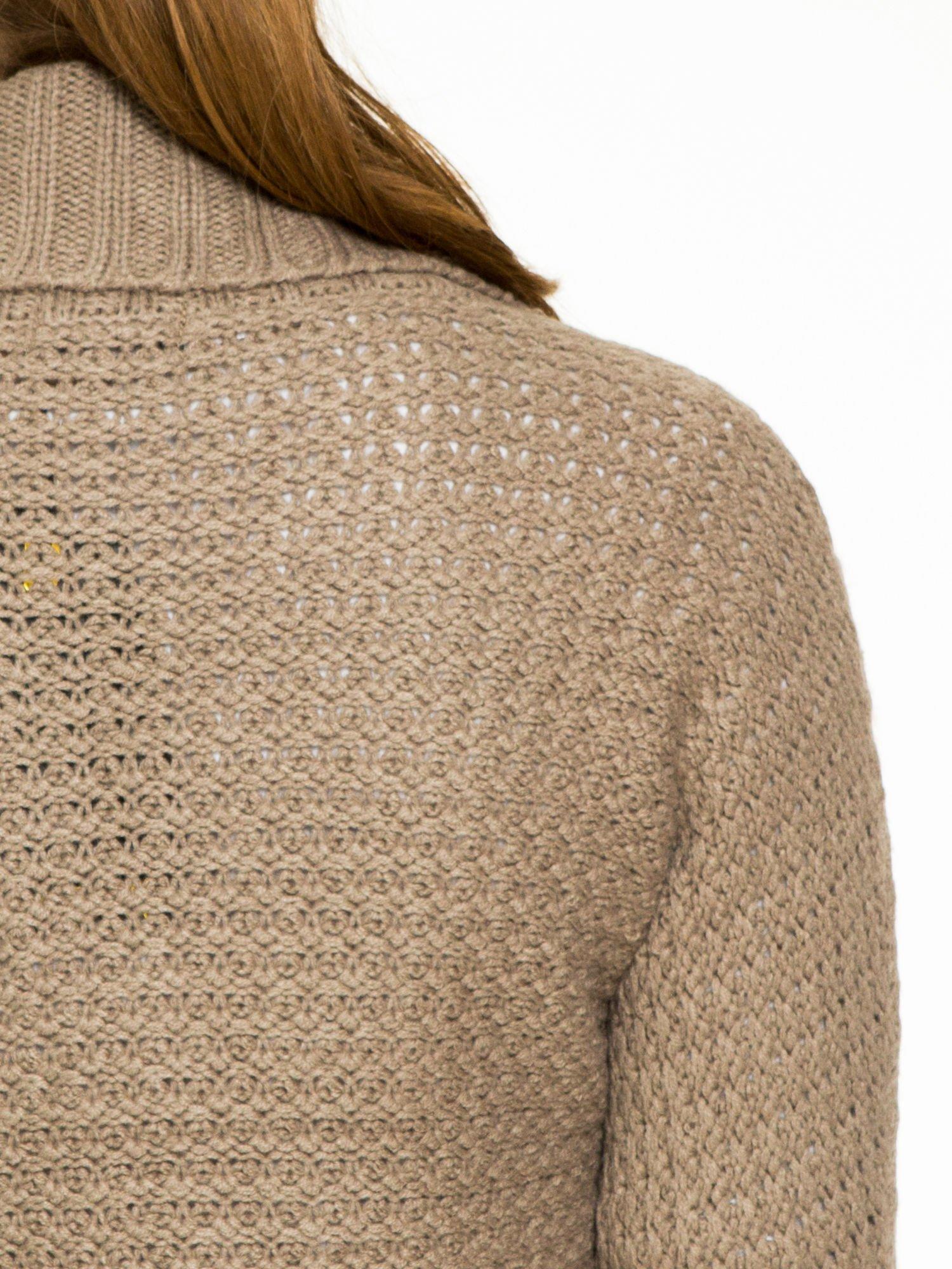 Brązowy sweter narzutka z rękawem 3/4                                  zdj.                                  7