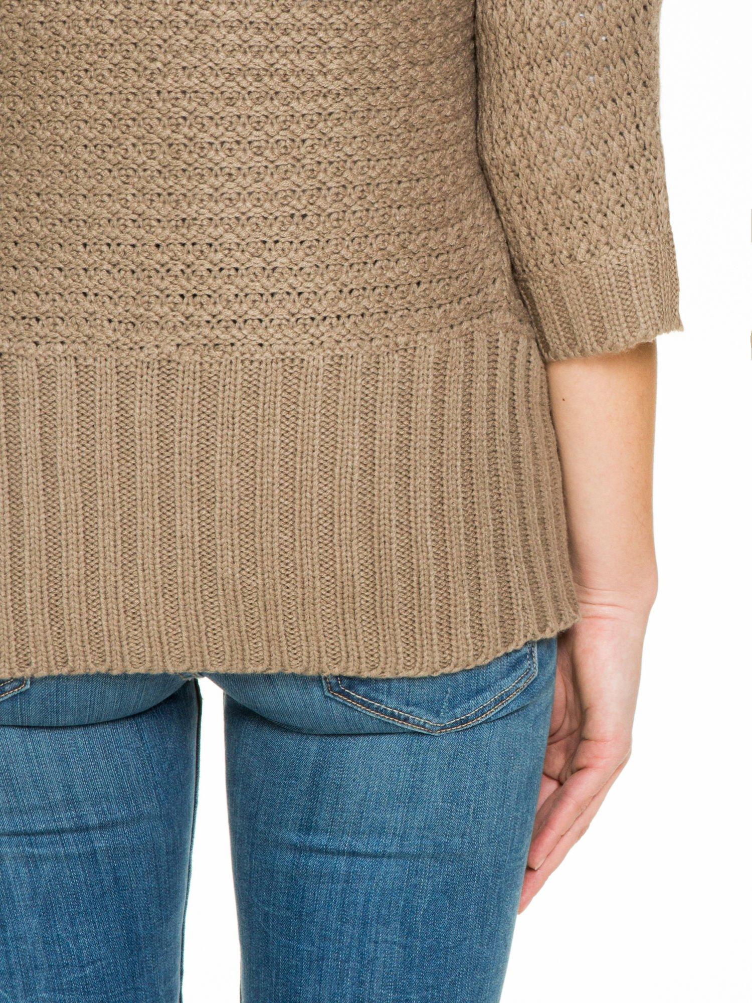Brązowy sweter narzutka z rękawem 3/4                                  zdj.                                  8