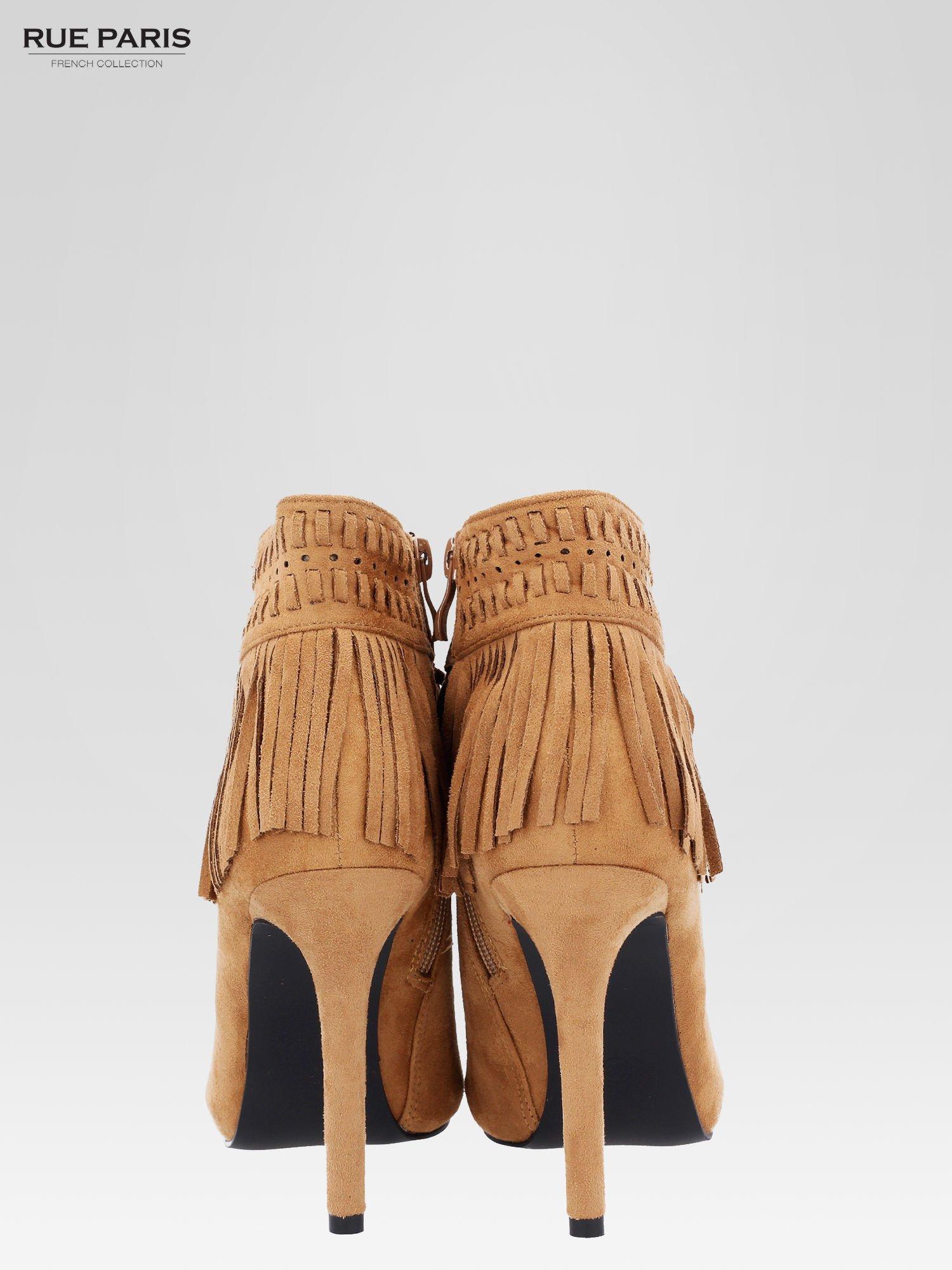 Camelowe botki faux suede Suzie open toe z frędzlami w stylu boho                                  zdj.                                  4