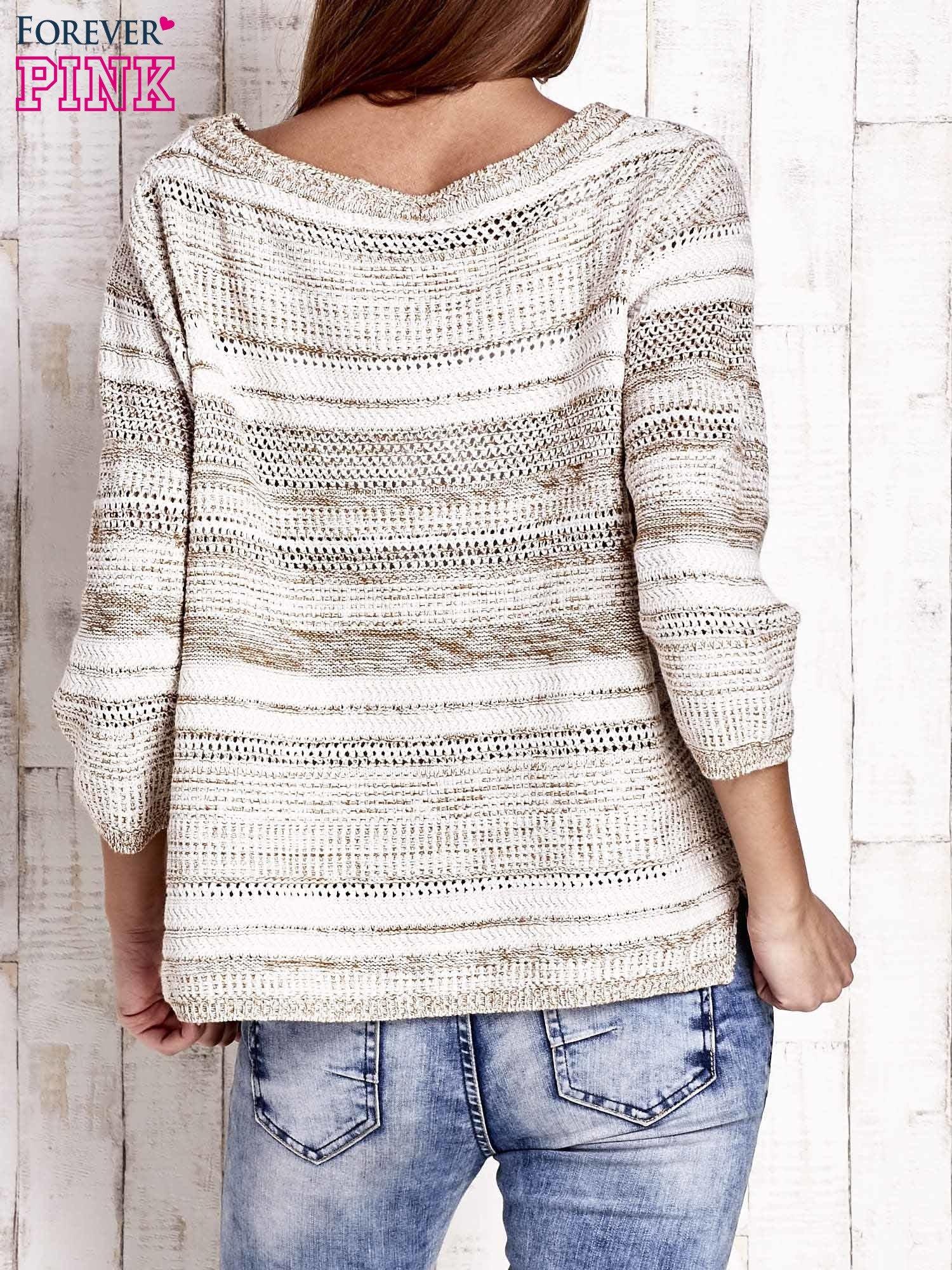 Camelowy dziergany sweter z rękawem 3/4                                  zdj.                                  4