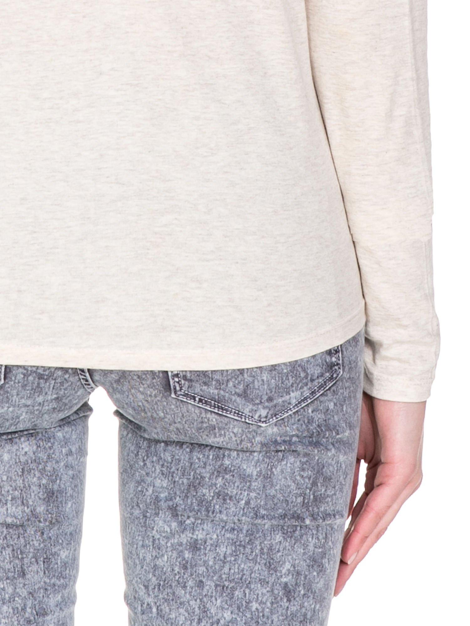 Ciemnobeżowa bawełniana bluzka z dekoltem typu woda                                  zdj.                                  8