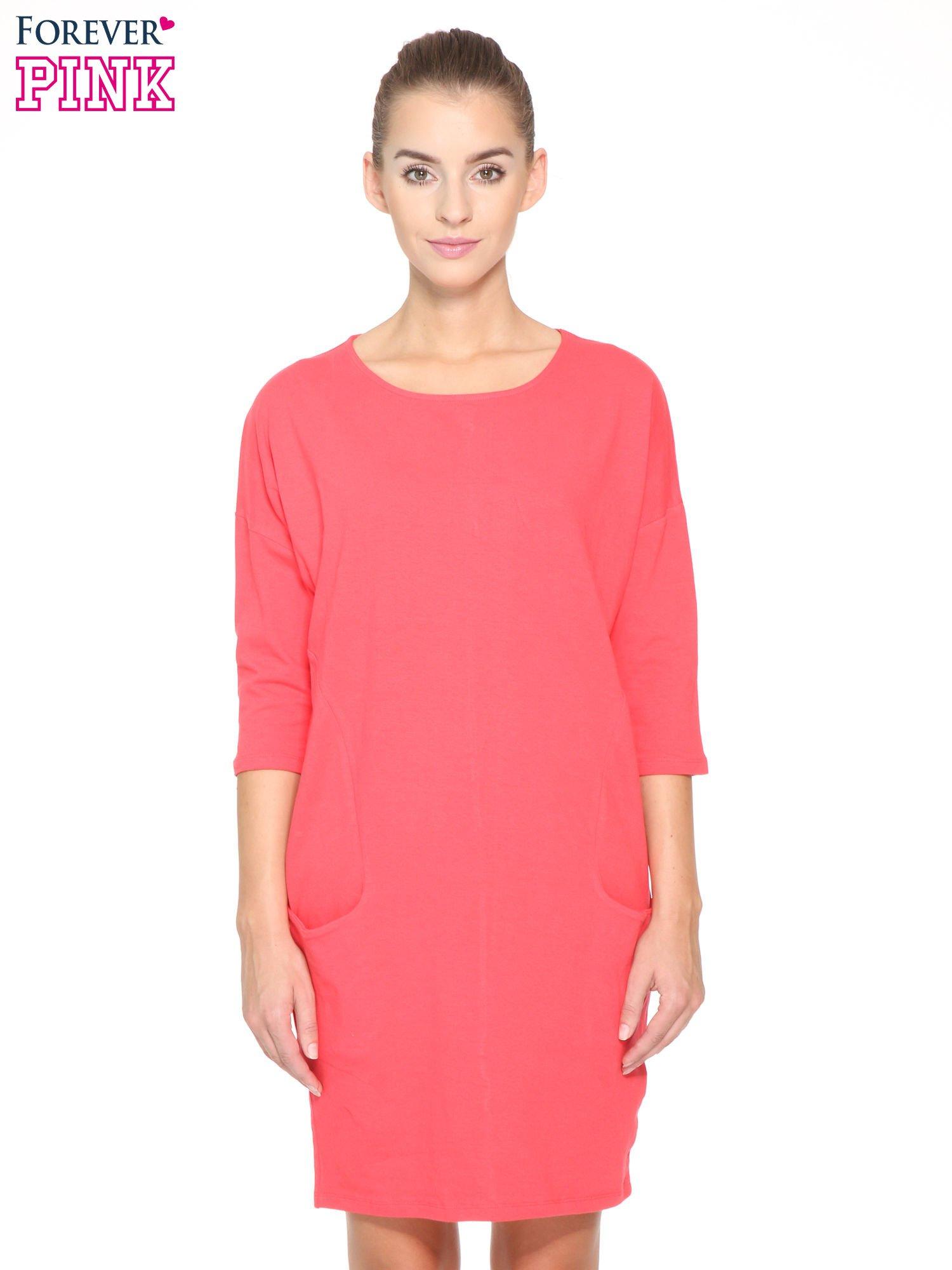 Ciemnokoralowa sukienka dresowa z kieszeniami                                  zdj.                                  1