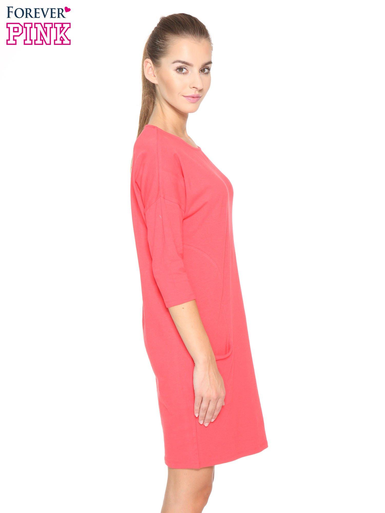 Ciemnokoralowa sukienka dresowa z kieszeniami                                  zdj.                                  3