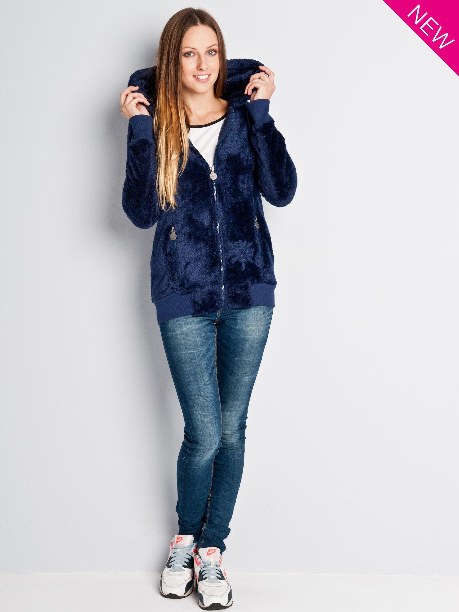 Ciemnoniebieska włochata bluza z kapturem i suwakami                                  zdj.                                  4