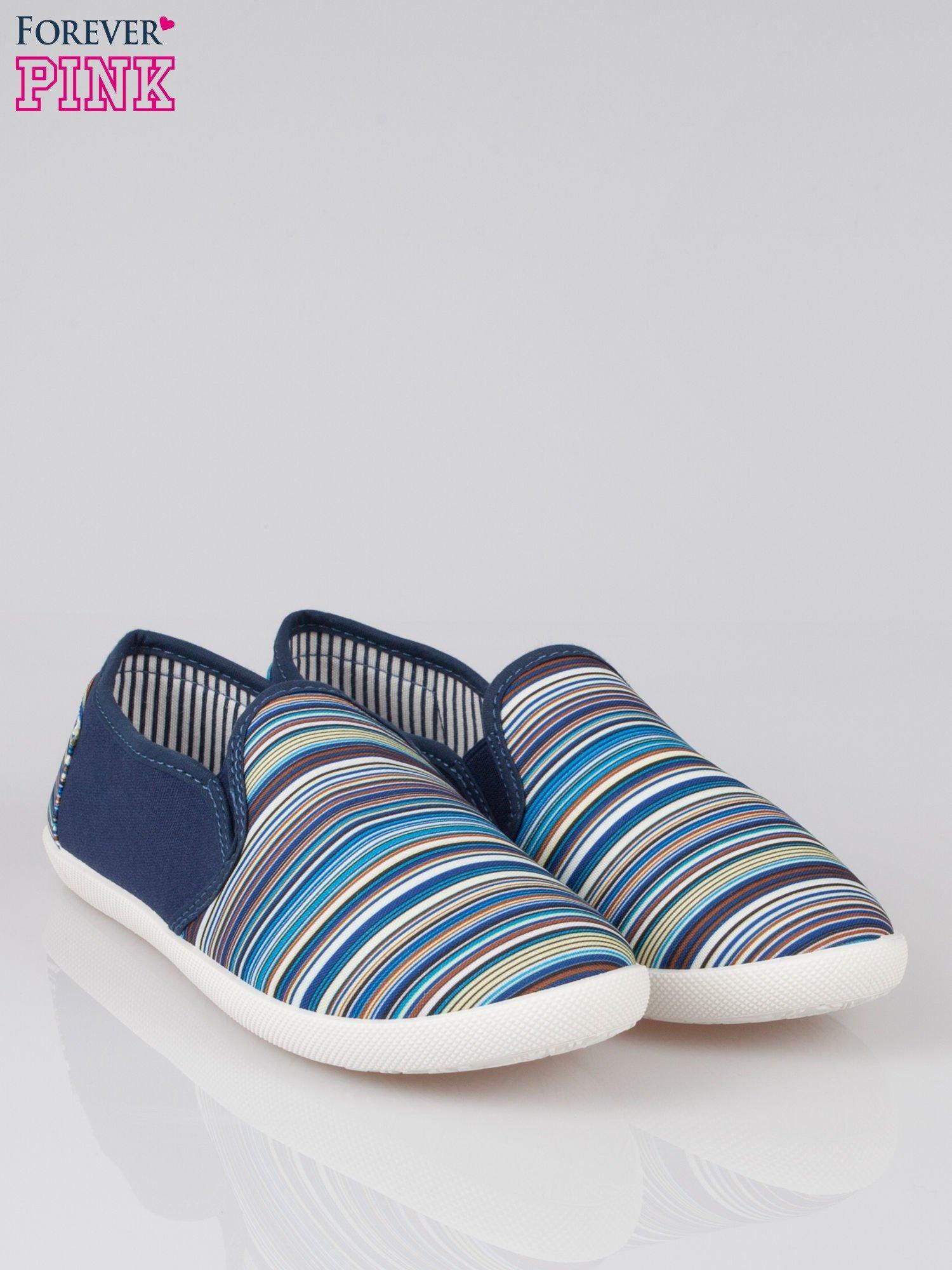 Ciemnoniebieskie pasiaste buty slip on                                  zdj.                                  2