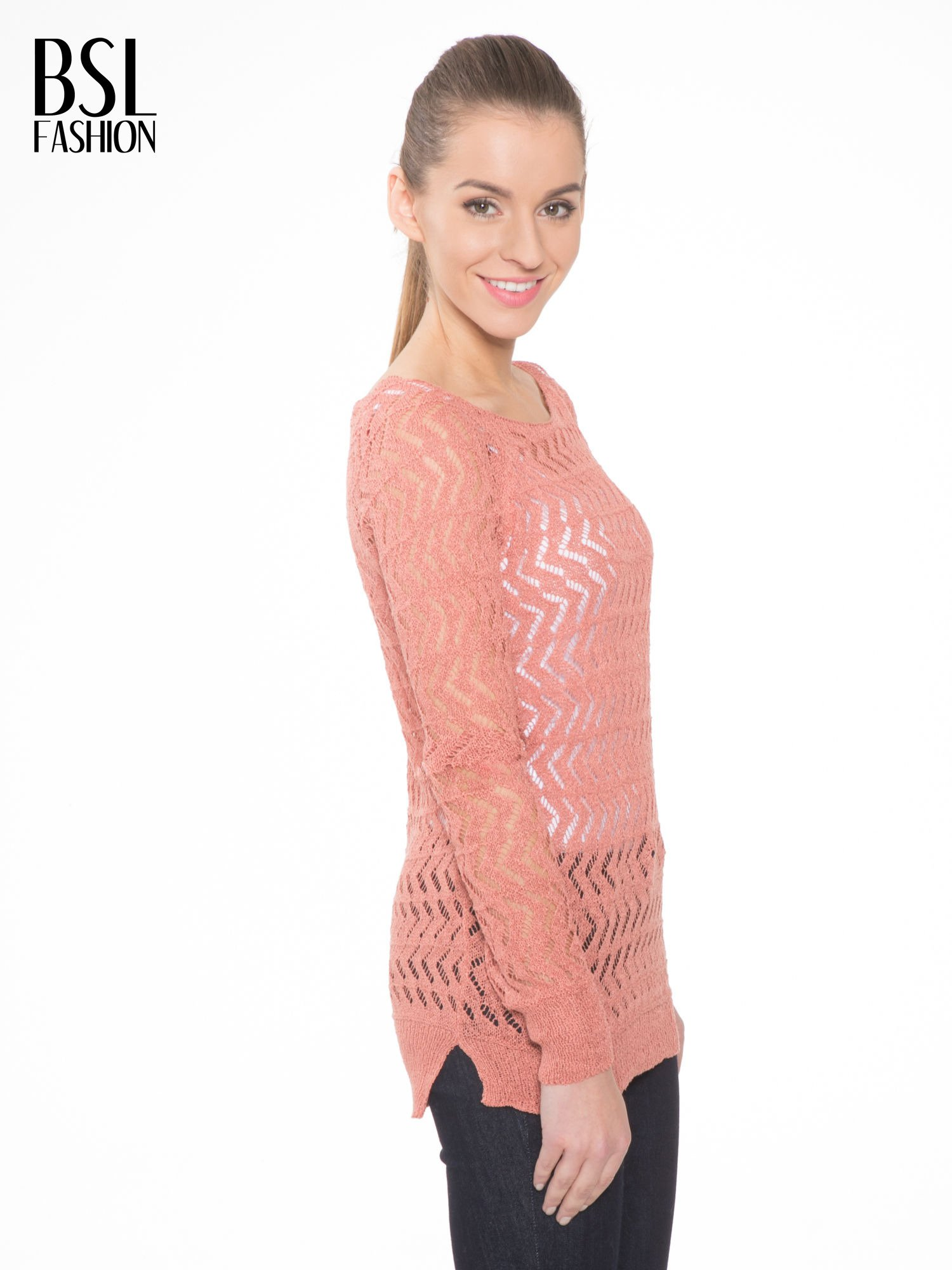 Ciemnoróżowy ażurowy dłuższy sweter                                  zdj.                                  3