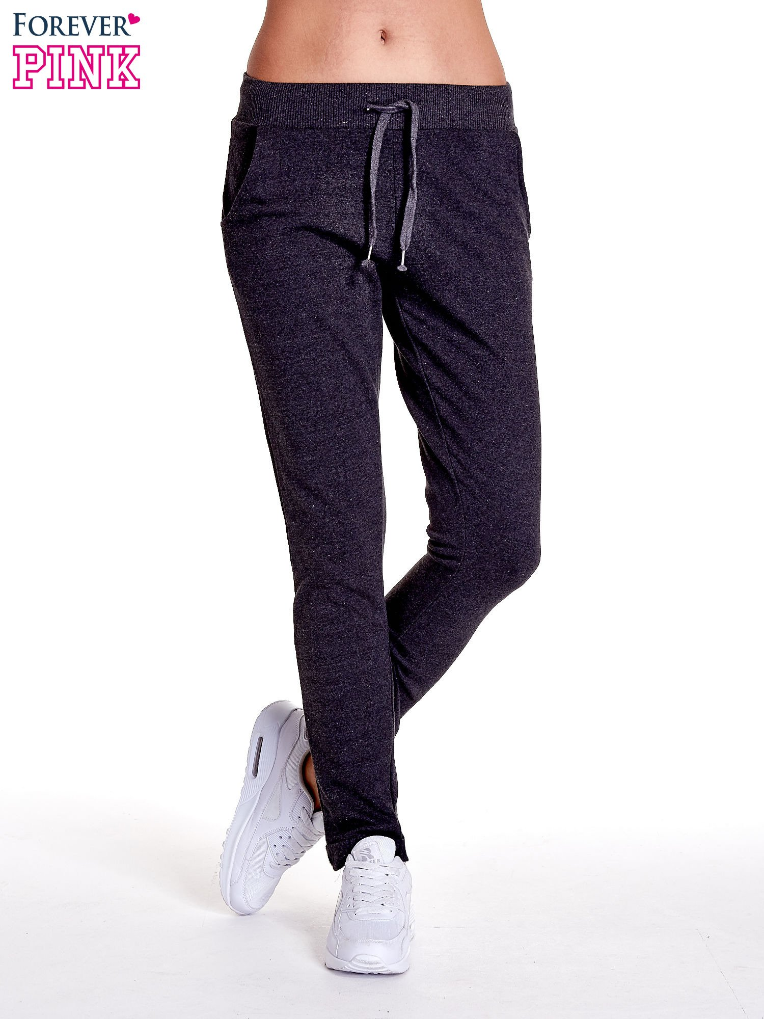 Ciemnoszare spodnie dresowe z prostą nogawką                                  zdj.                                  1