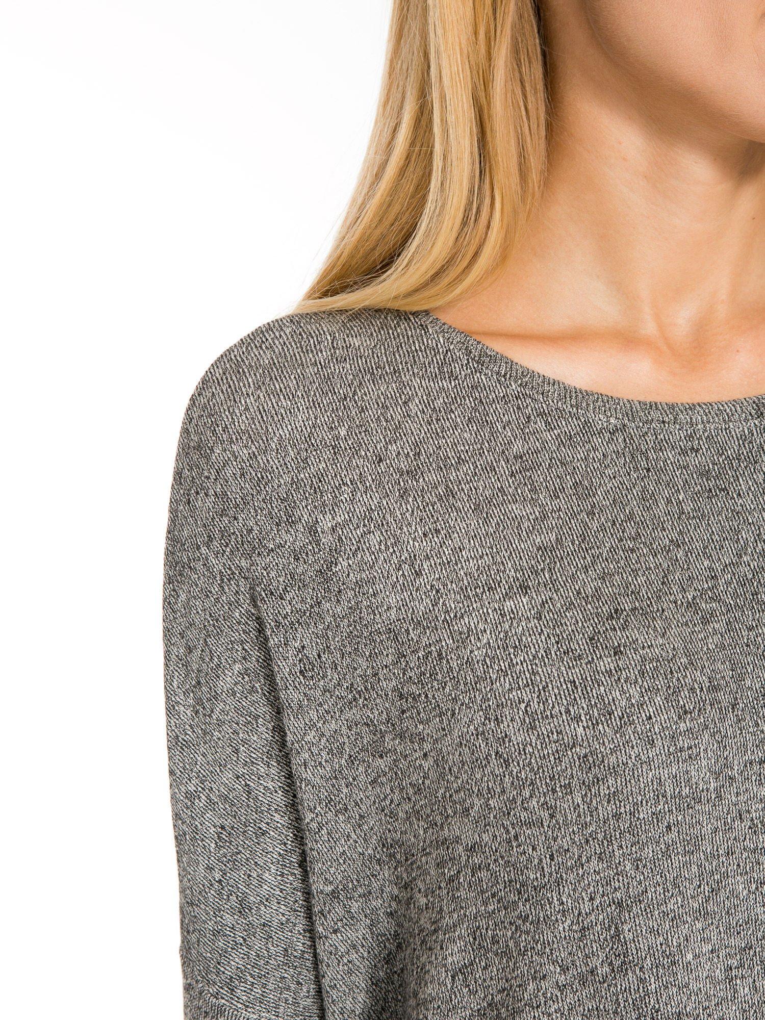 Ciemnoszary melanżowy sweter oversize o obniżonej linii ramion                                  zdj.                                  8