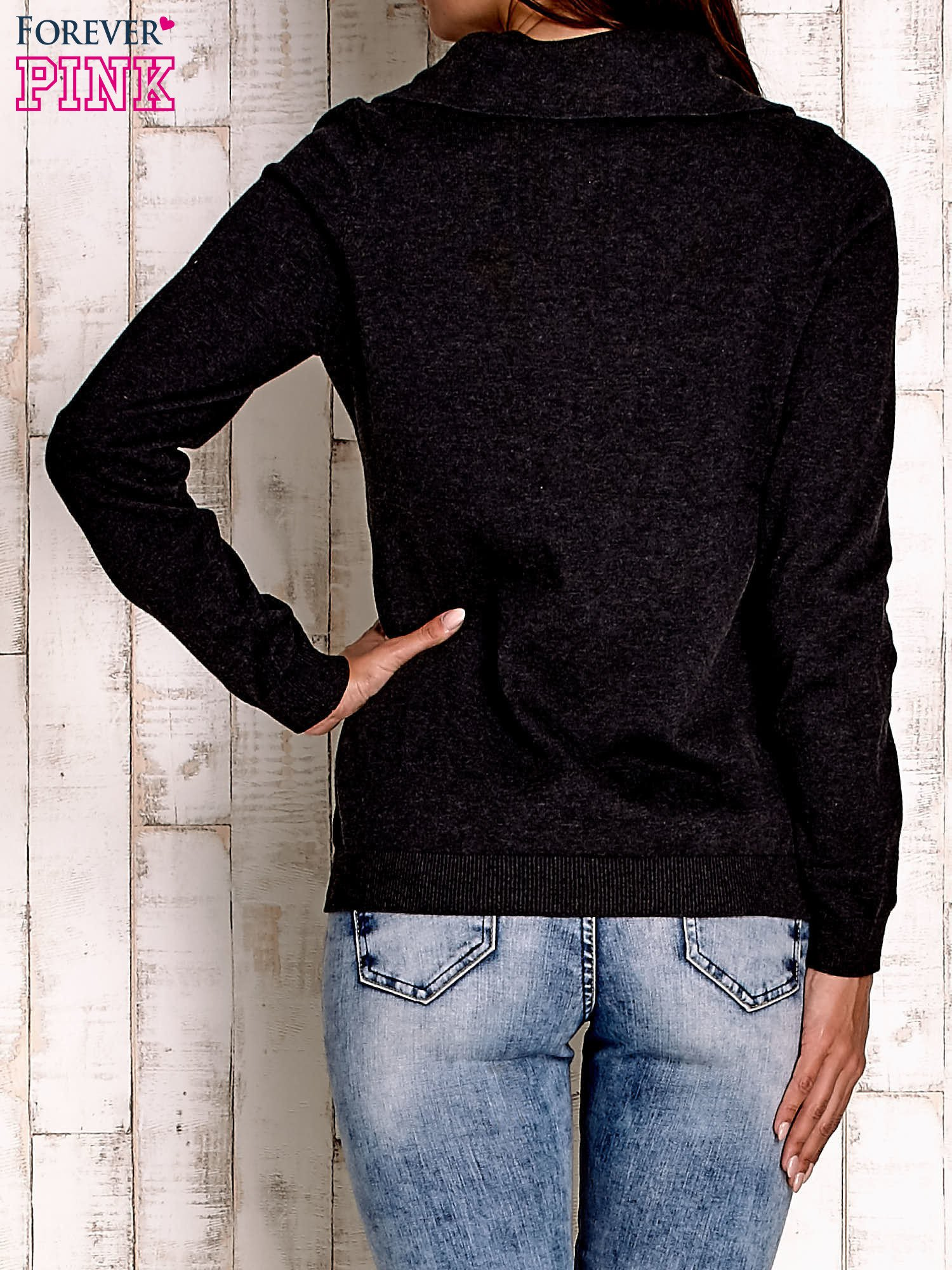 Ciemnoszary sweter z szerokim golfem                                  zdj.                                  2