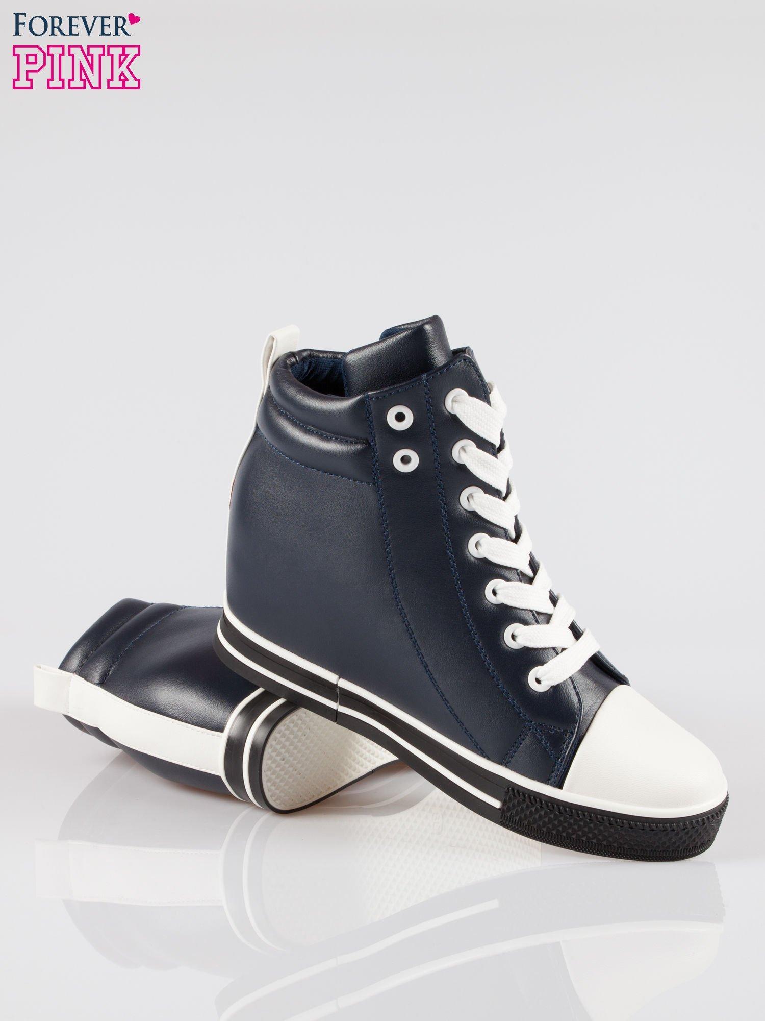 Cienoniebieskie sneakersy trampki cap toe na koturnie                                  zdj.                                  4