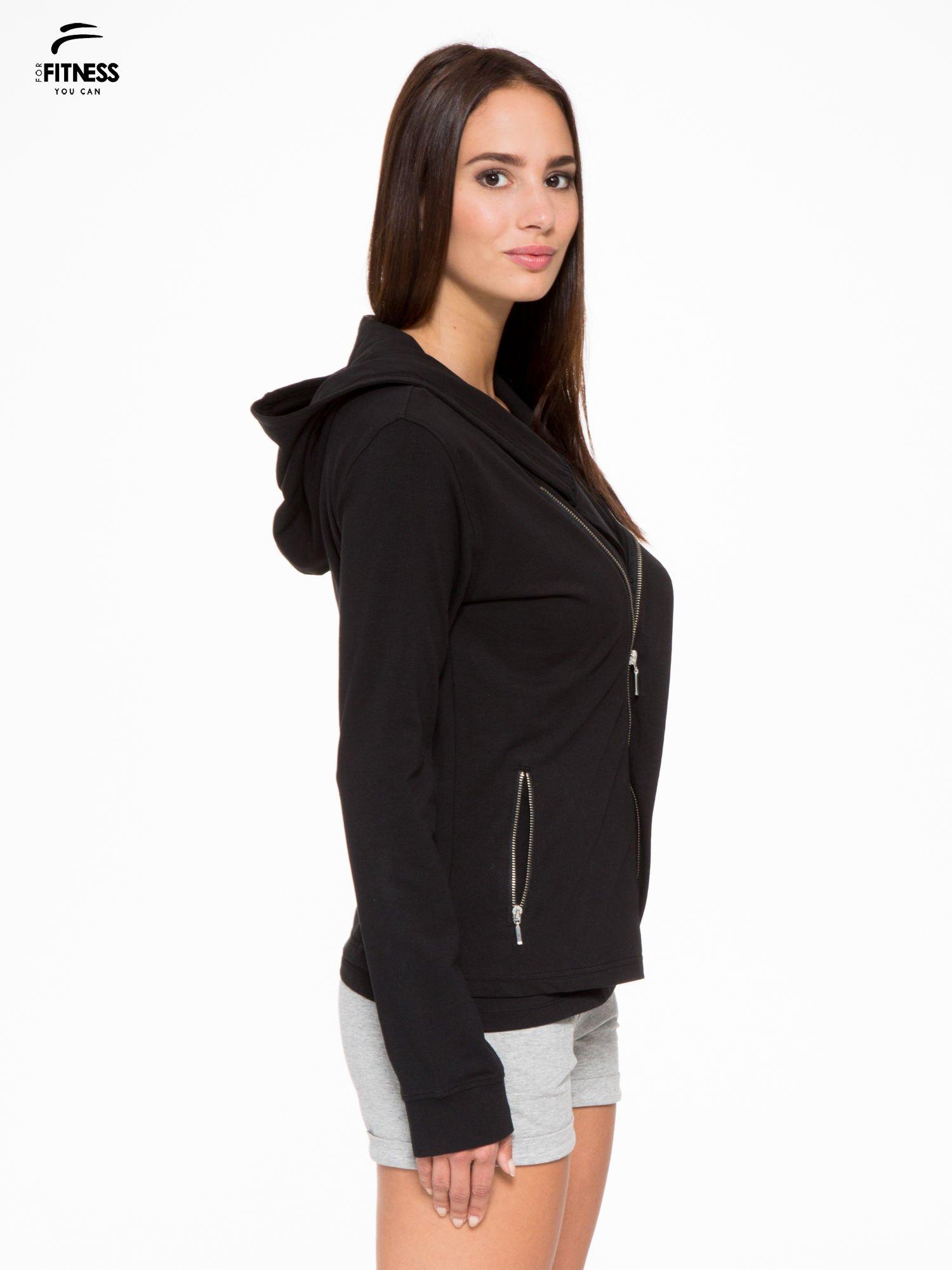 Czarna bluza dresowa z asymetrycznym suwakiem i kapturem                                  zdj.                                  3