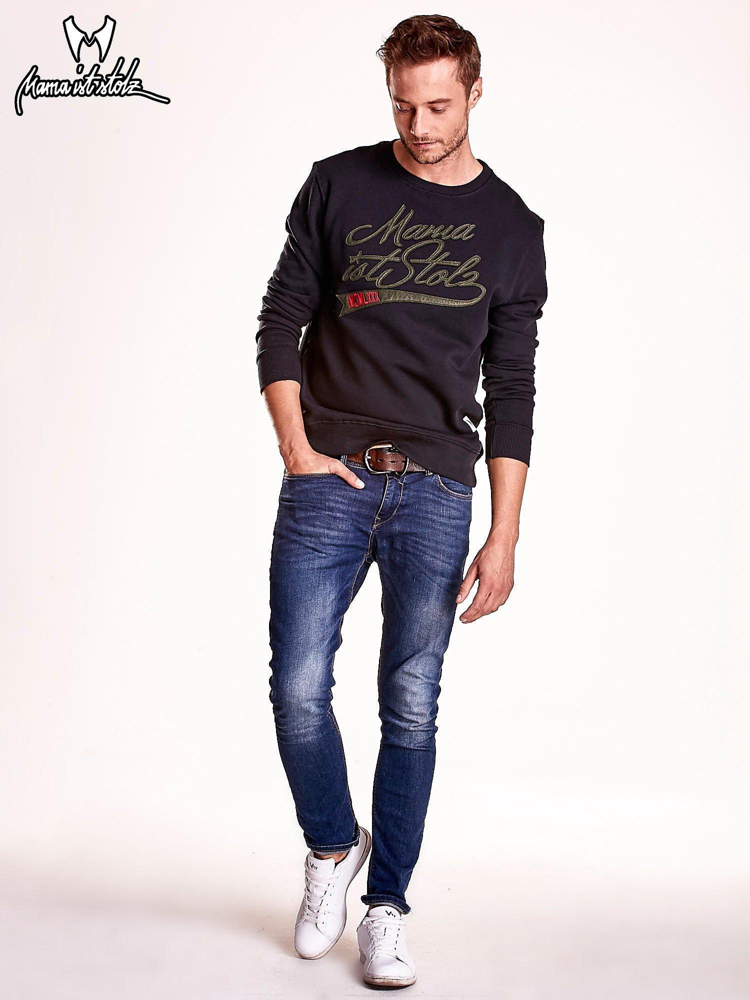 Czarna bluza męska z tekstowymi naszywkami                                  zdj.                                  3
