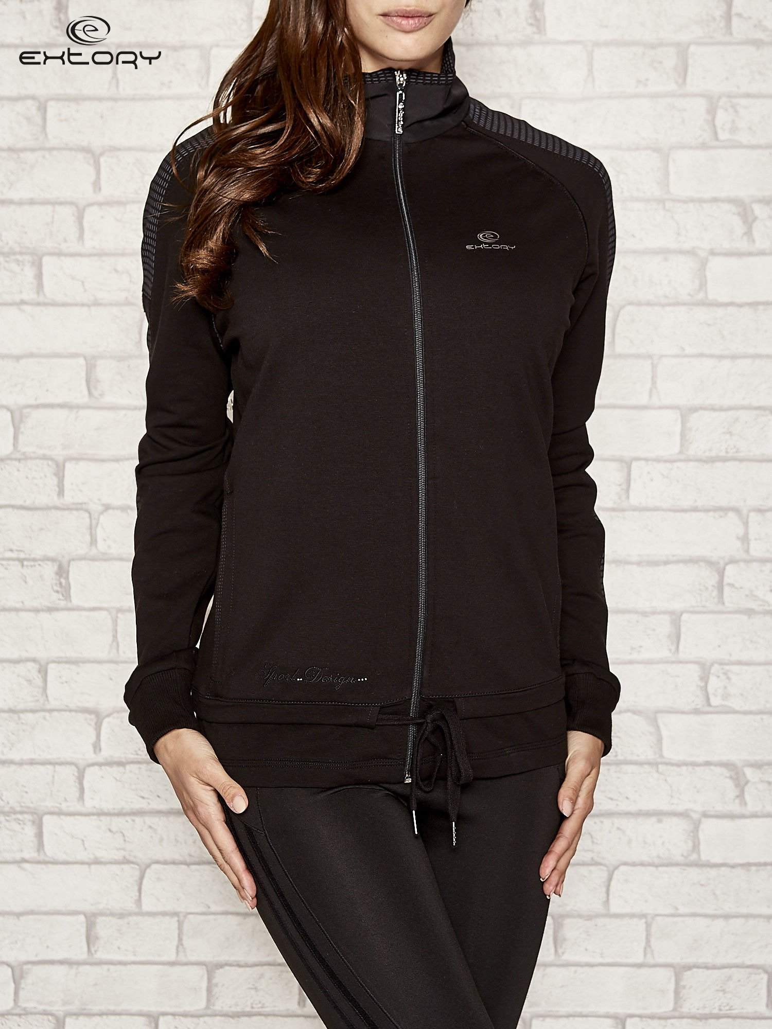 Czarna bluza sportowa fitness z wiązaniem                                  zdj.                                  1