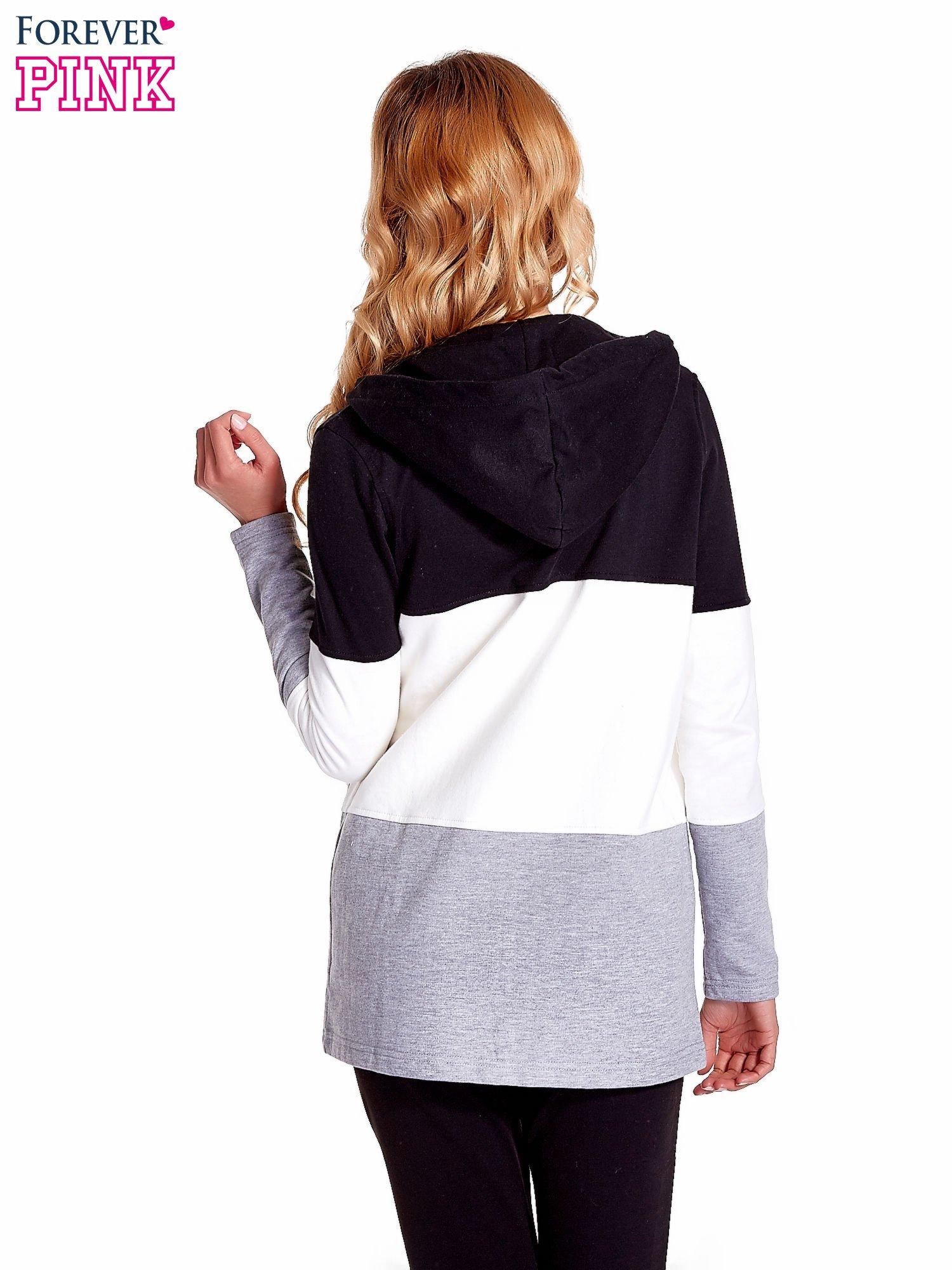Czarna bluza w szerokie kolorowe pasy                                  zdj.                                  4