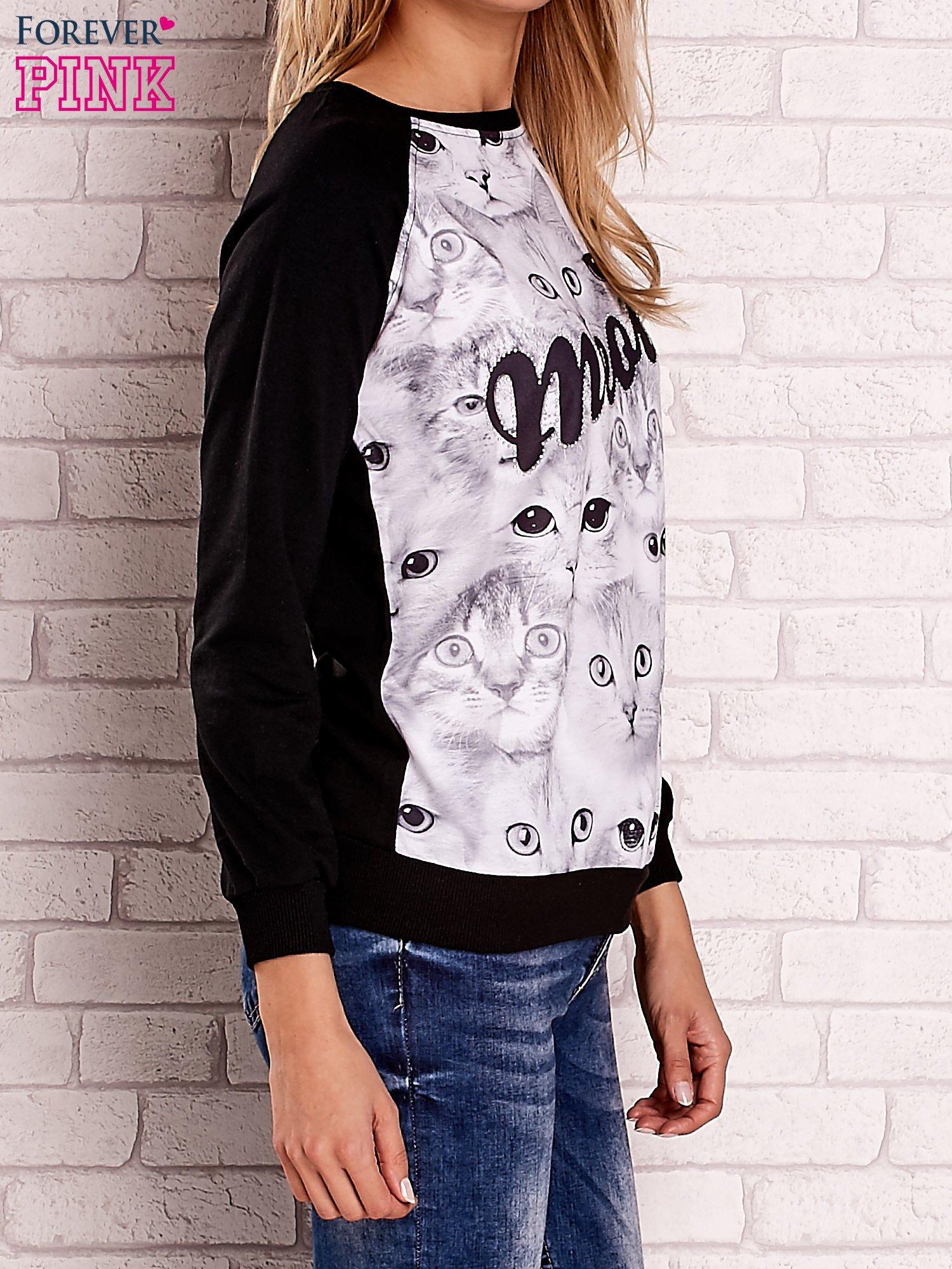 Czarna bluza z nadrukiem kotów i napisem                                  zdj.                                  3