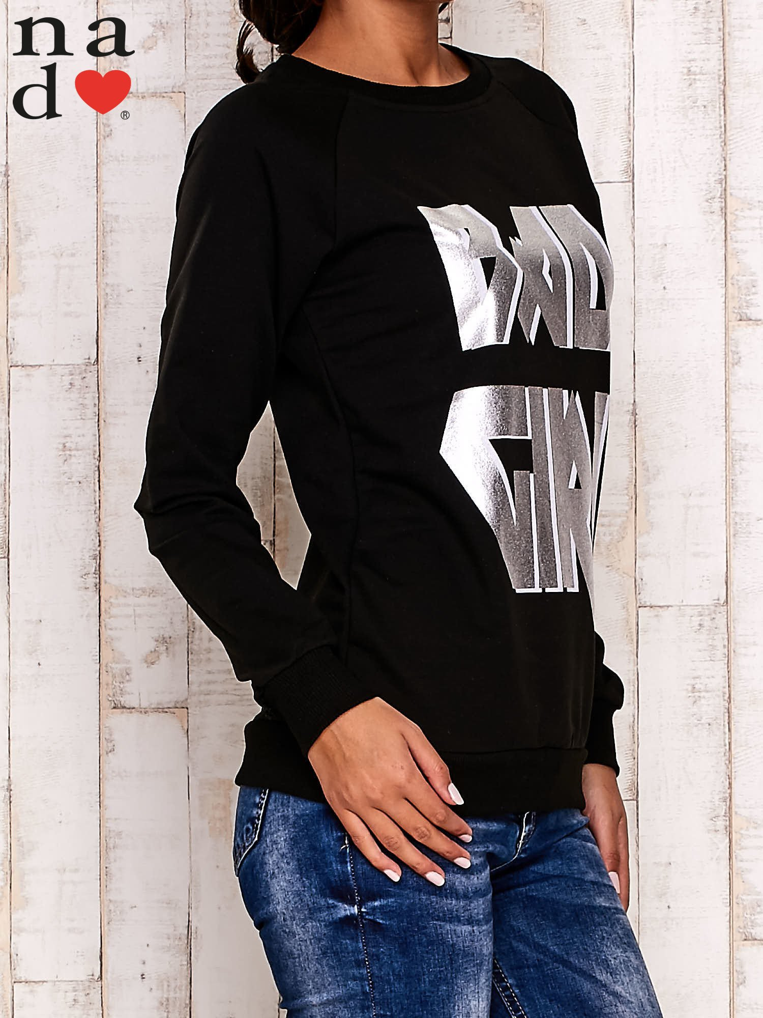 Czarna bluza z napisem BAD GIRL                                  zdj.                                  4