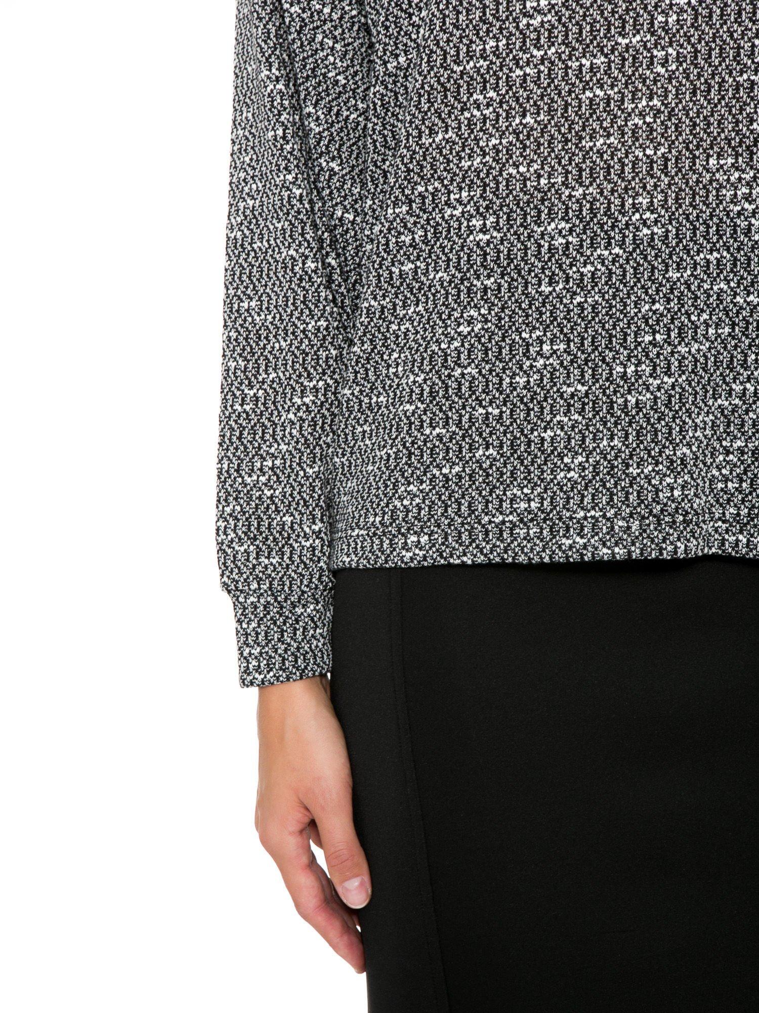 Czarna bluzka oversize z nietoperzowymi rękawami                                  zdj.                                  7
