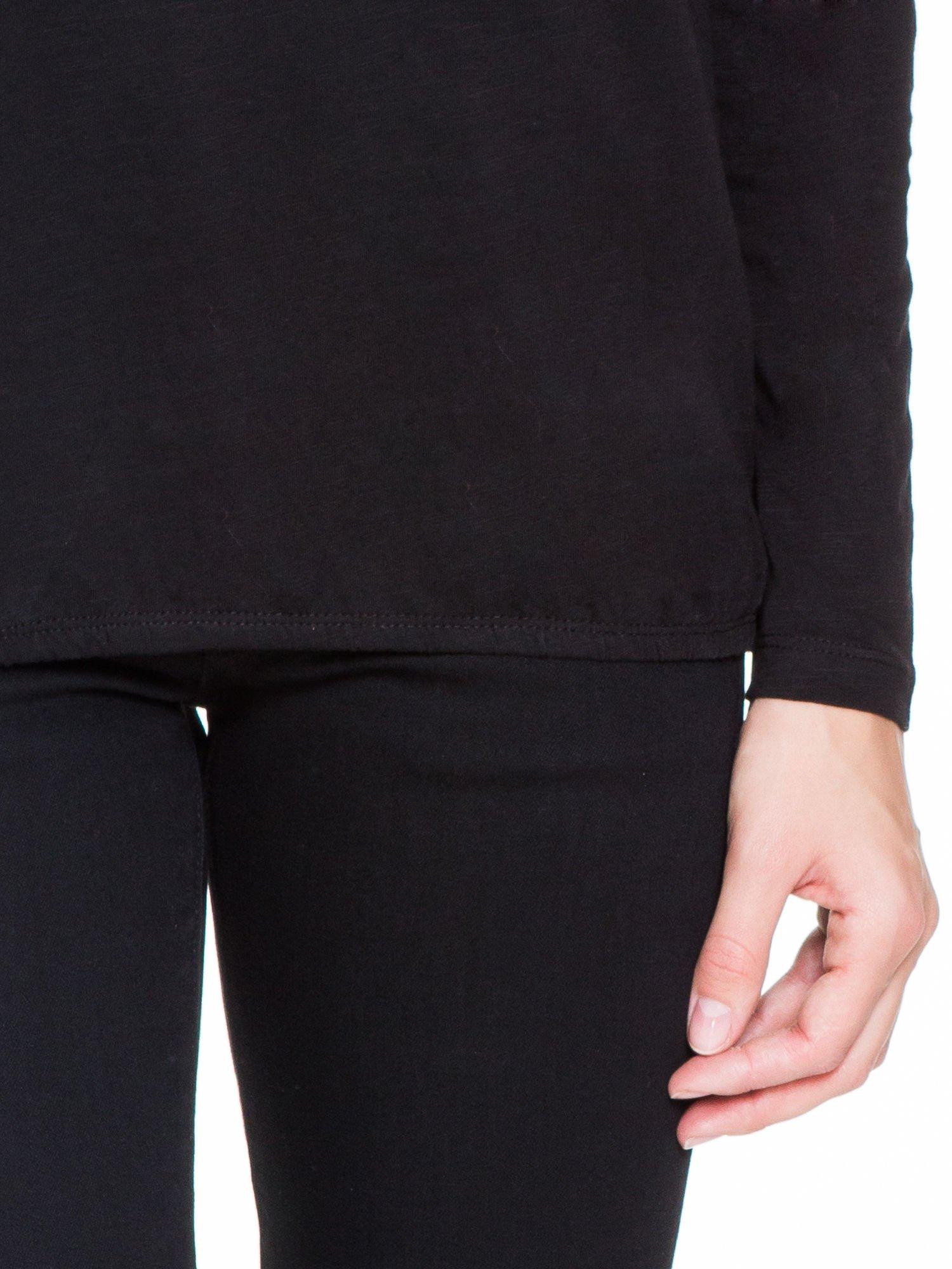 Czarna bluzka z koronkowym karczkiem                                  zdj.                                  6