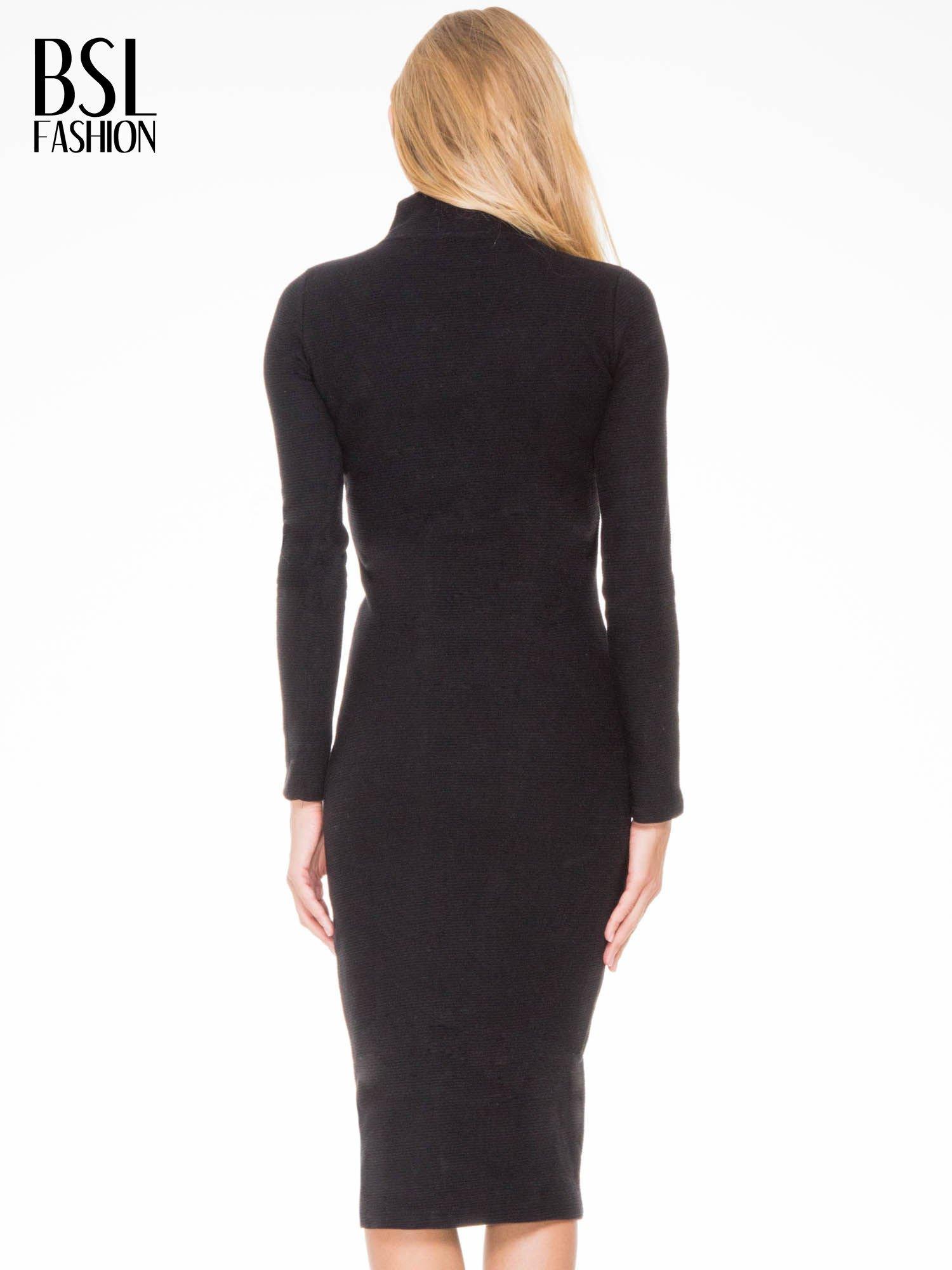 Czarna dzianinowa sukienka tuba z golfem                                  zdj.                                  4