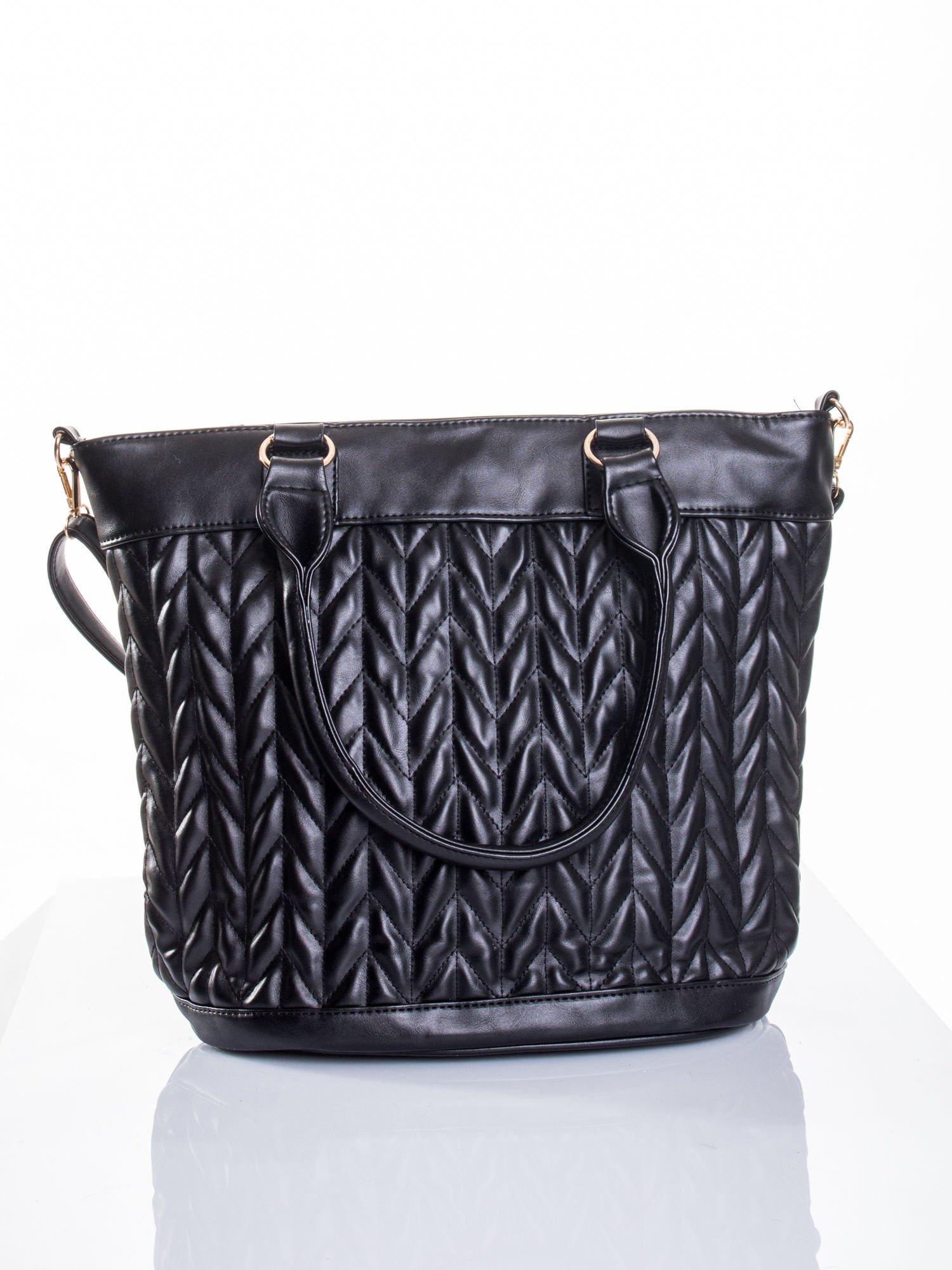 Czarna pikowana torba na ramię                                  zdj.                                  1