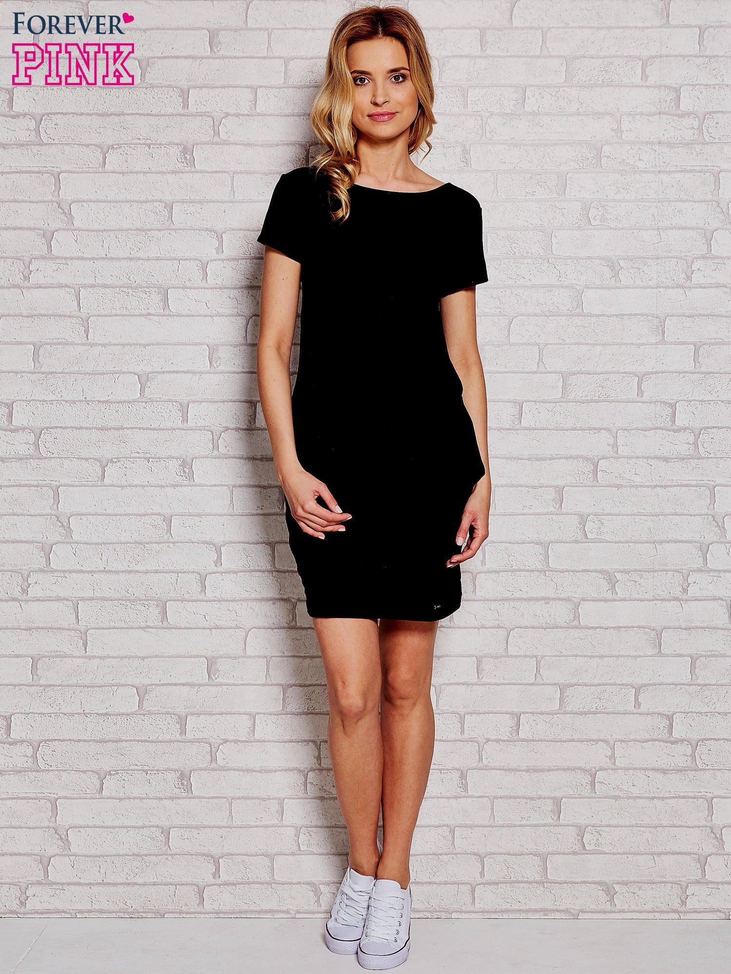 Czarna sukienka dresowa z kieszeniami                                  zdj.                                  2