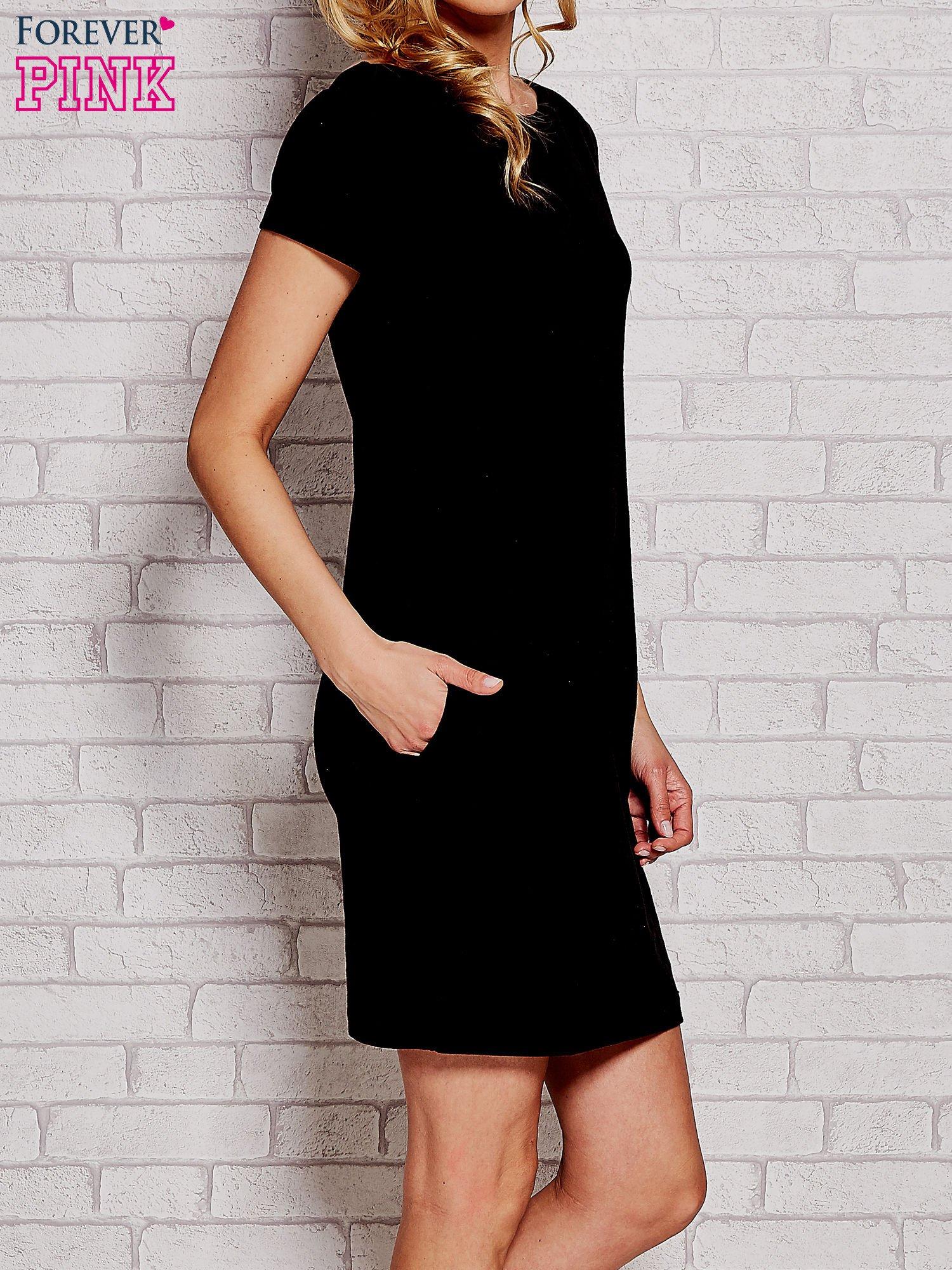 Czarna sukienka dresowa z kieszeniami                                  zdj.                                  3