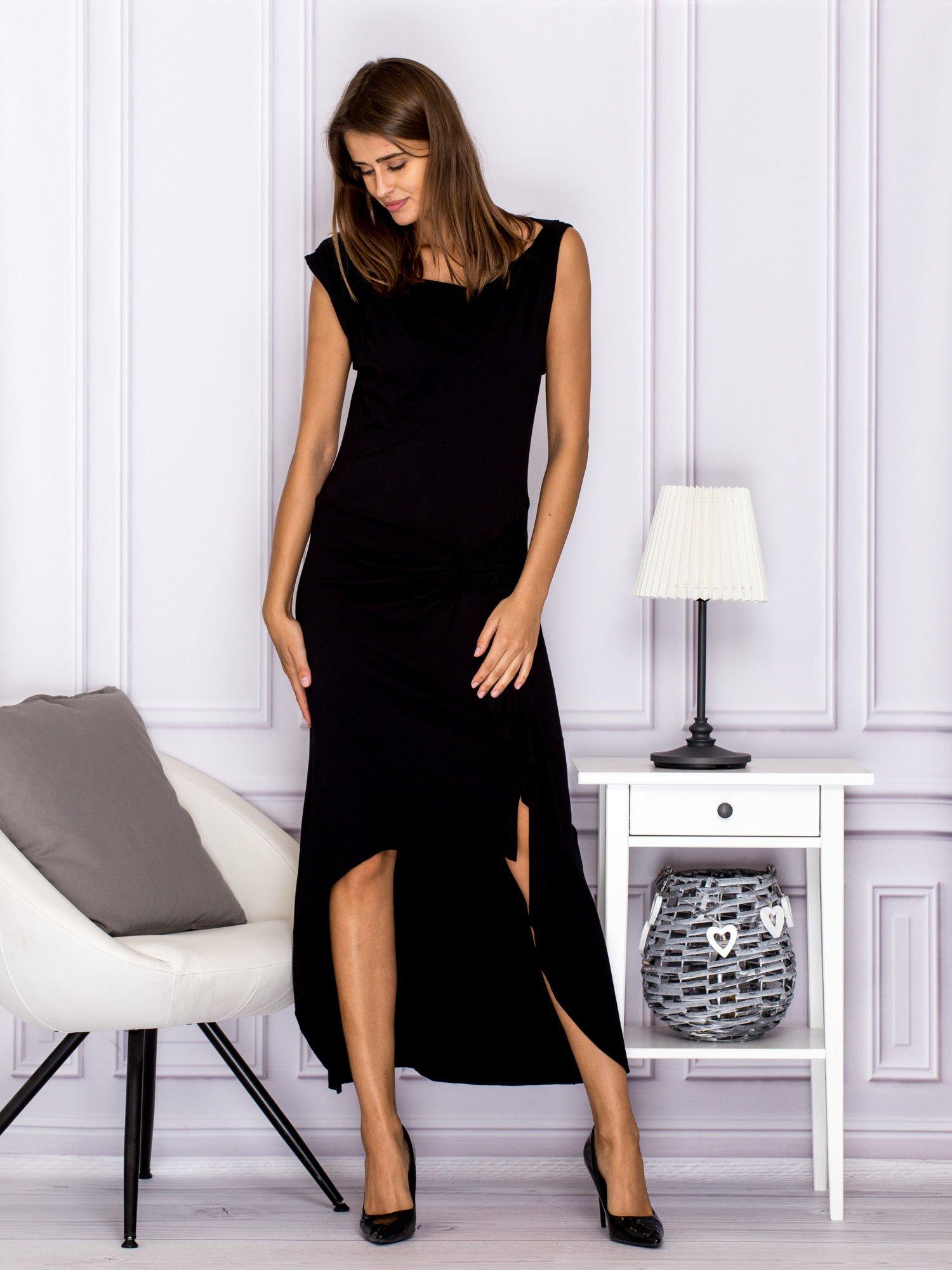 63b0bac8588262 Czarna sukienka maxi z dłuższym tyłem - Sukienka wieczorowa - sklep ...