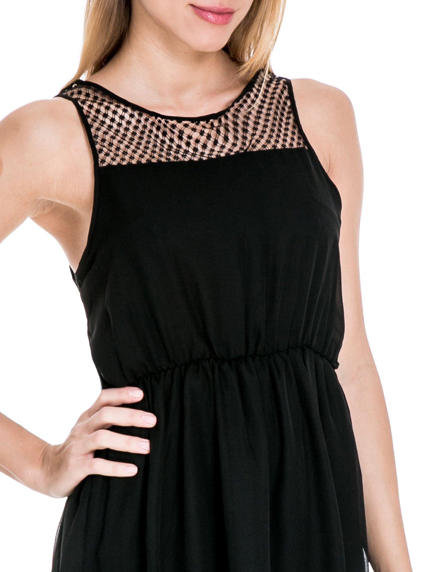 Czarna sukienka z koronkowym karczkiem                                  zdj.                                  5