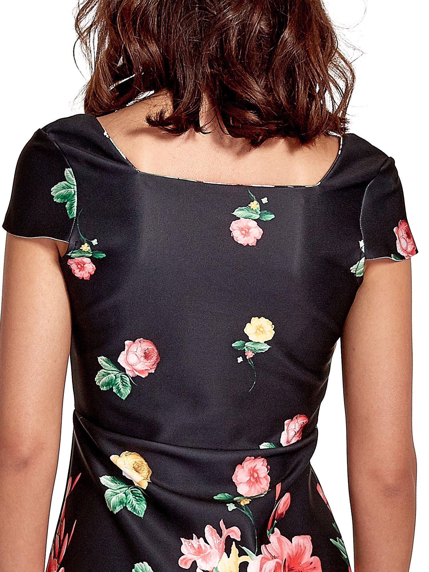 Czarna sukienka z kwiatowym nadrukiem                                  zdj.                                  6