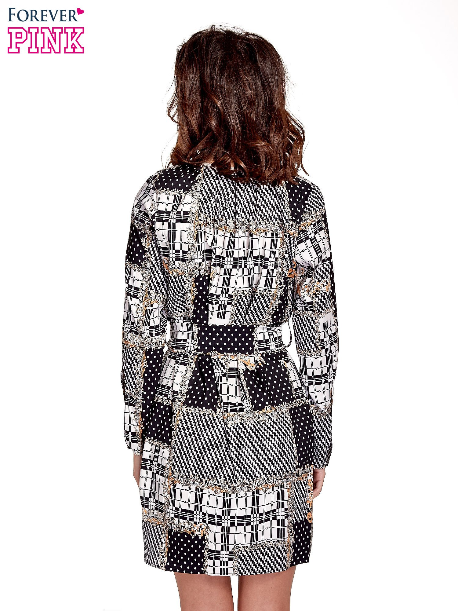 Czarna sukienka z nadrukami i wiązaniem w pasie                                  zdj.                                  4