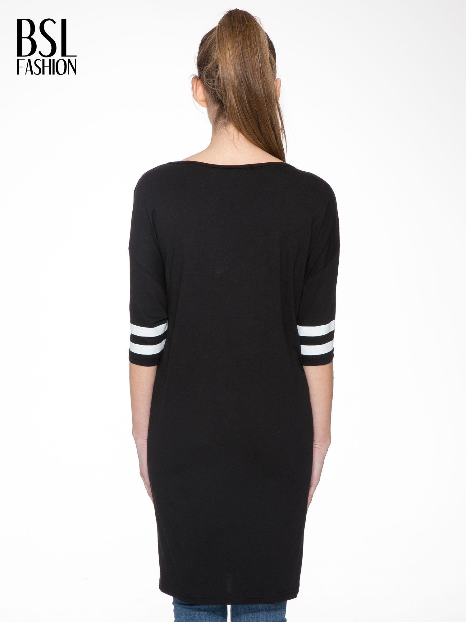 Czarna sukienka z numerem w stylu baseball dress                                  zdj.                                  4