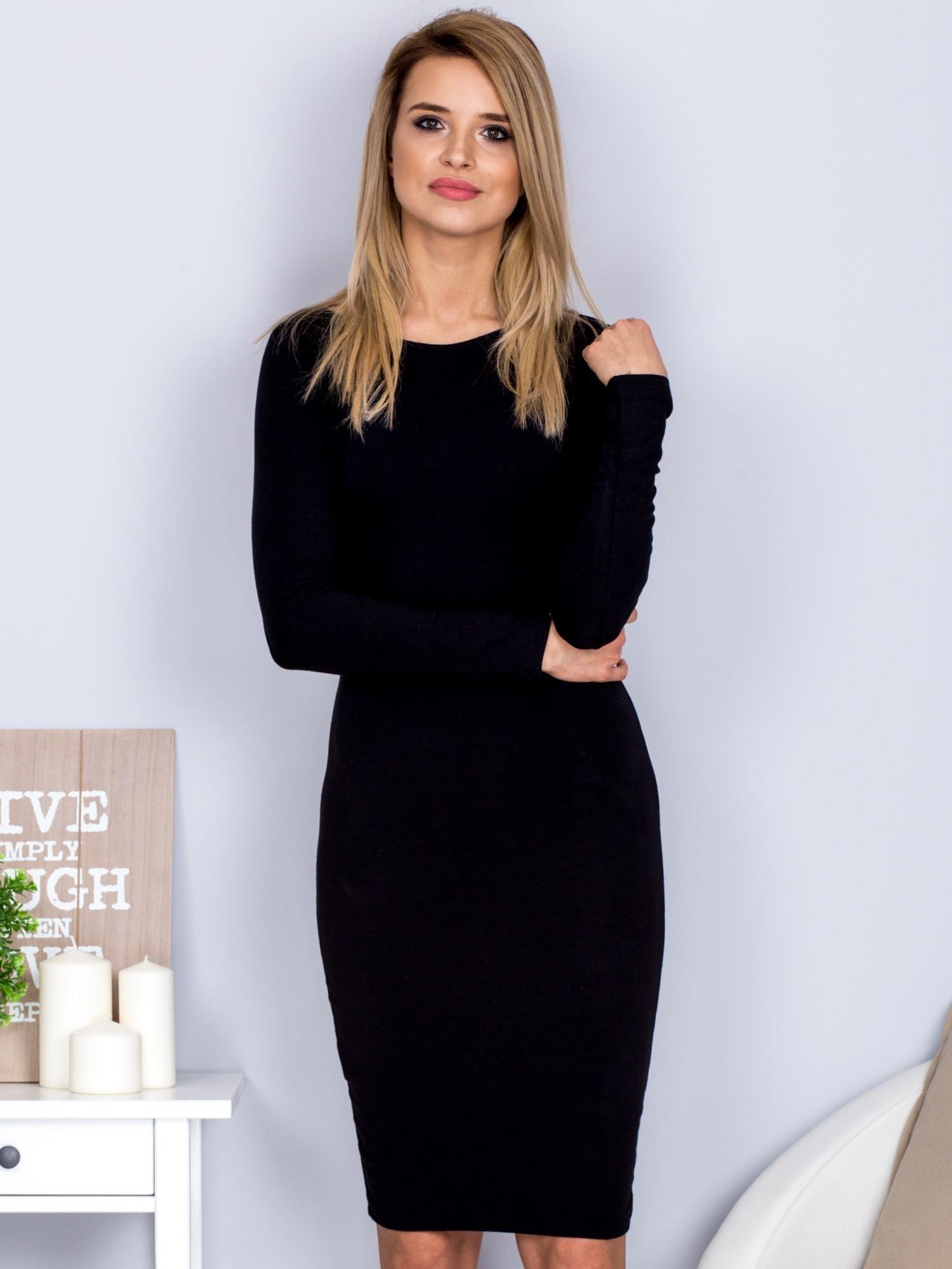c5140d2cb4 Czarna sukienka z ozdobnymi guzikami na plecach - Sukienka ...