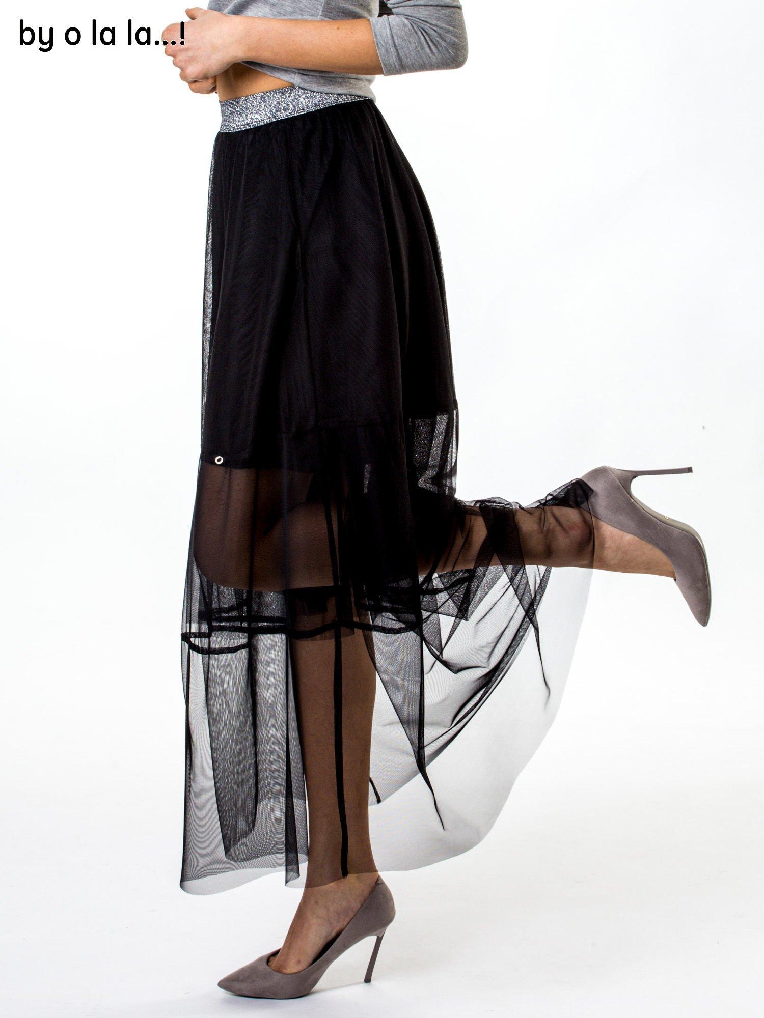 a8e39a79 Czarna tiulowa spódnica ze srebrnym paskiem BY O LA LA