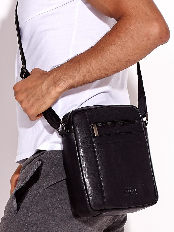 8bcf1eff1bbe6 Czarna torba męska na ramię ze skóry naturalnej - Mężczyźni Torba ...