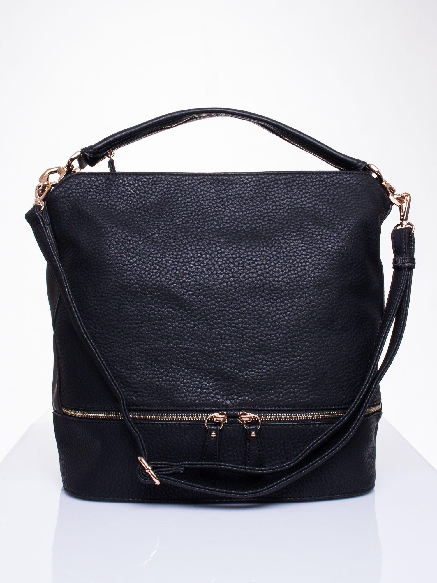 Czarna torba na ramię z ozdobnymi suwakami                                  zdj.                                  1