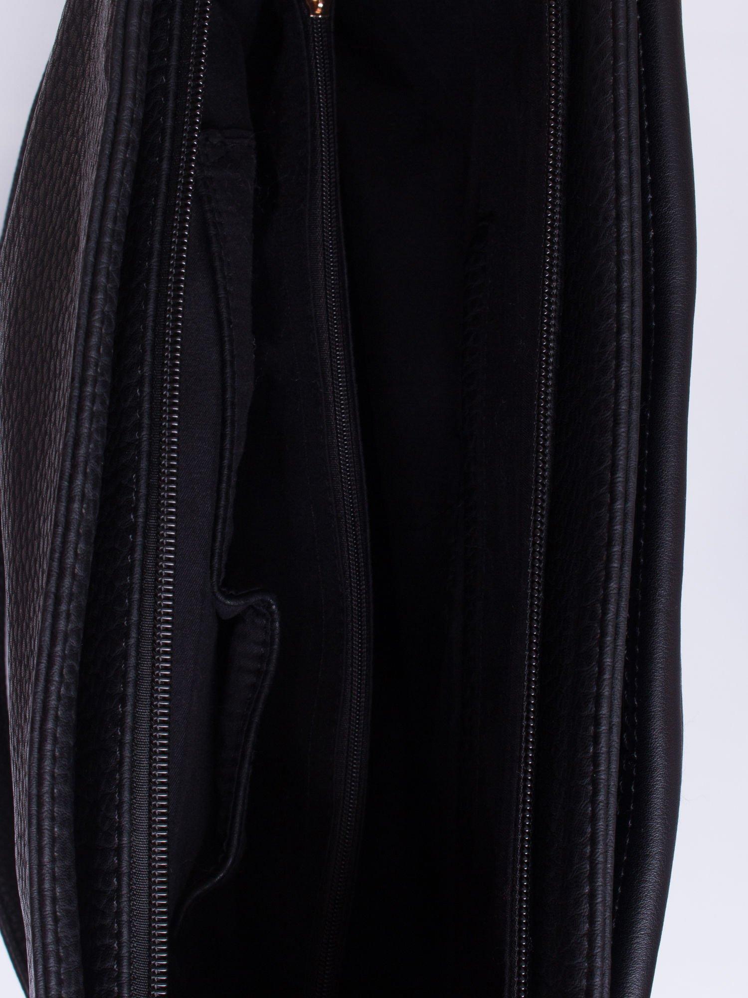 Czarna torba na ramię z ozdobnymi suwakami                                  zdj.                                  4