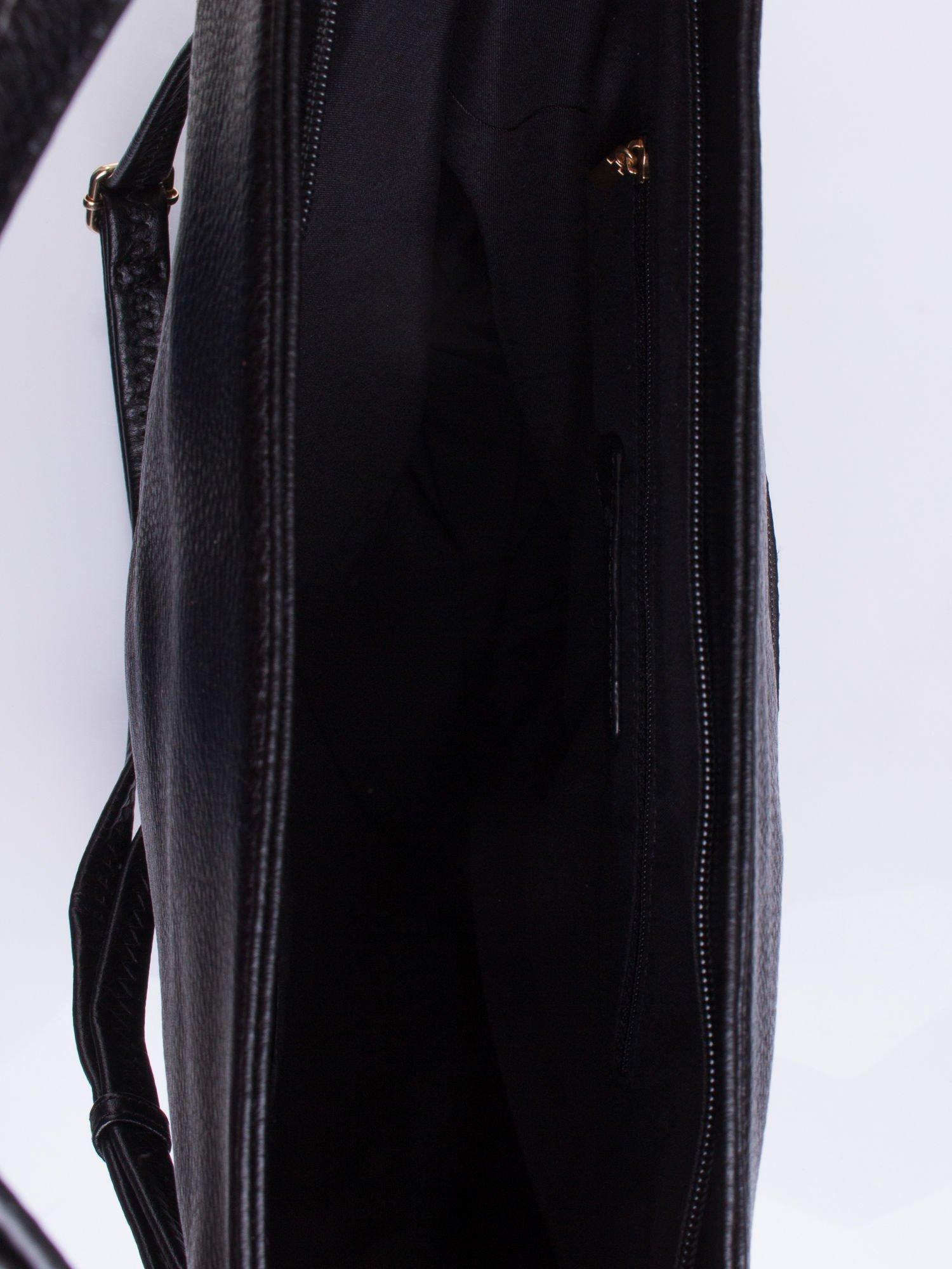 Czarna torba z motywem panterkowym i odpinanym paskiem                                  zdj.                                  4