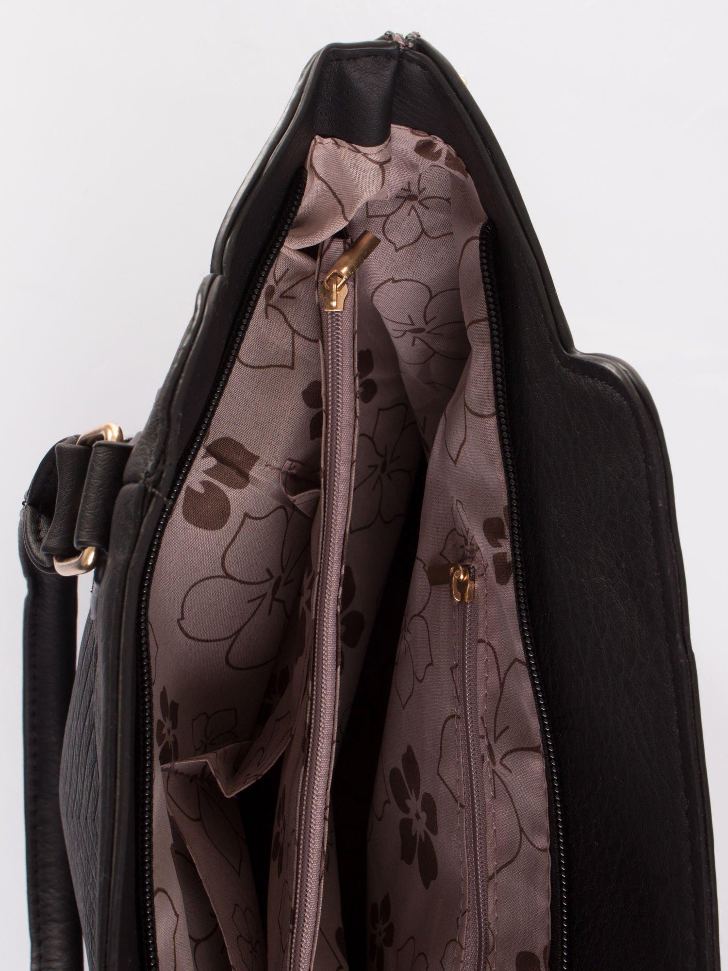Czarna torba ze złotymi wykończeniami                                  zdj.                                  7