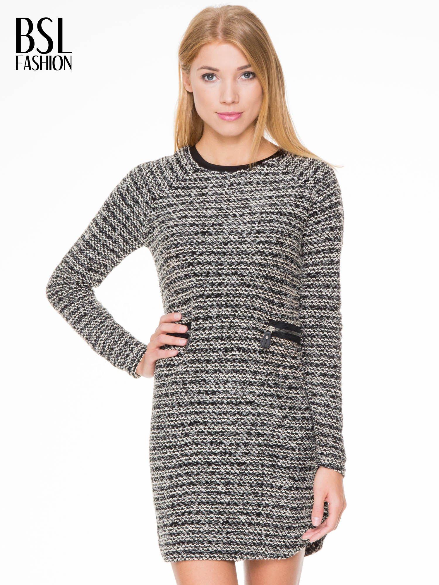 Czarna tweedowa sukienka w stylu Chanel                                  zdj.                                  2