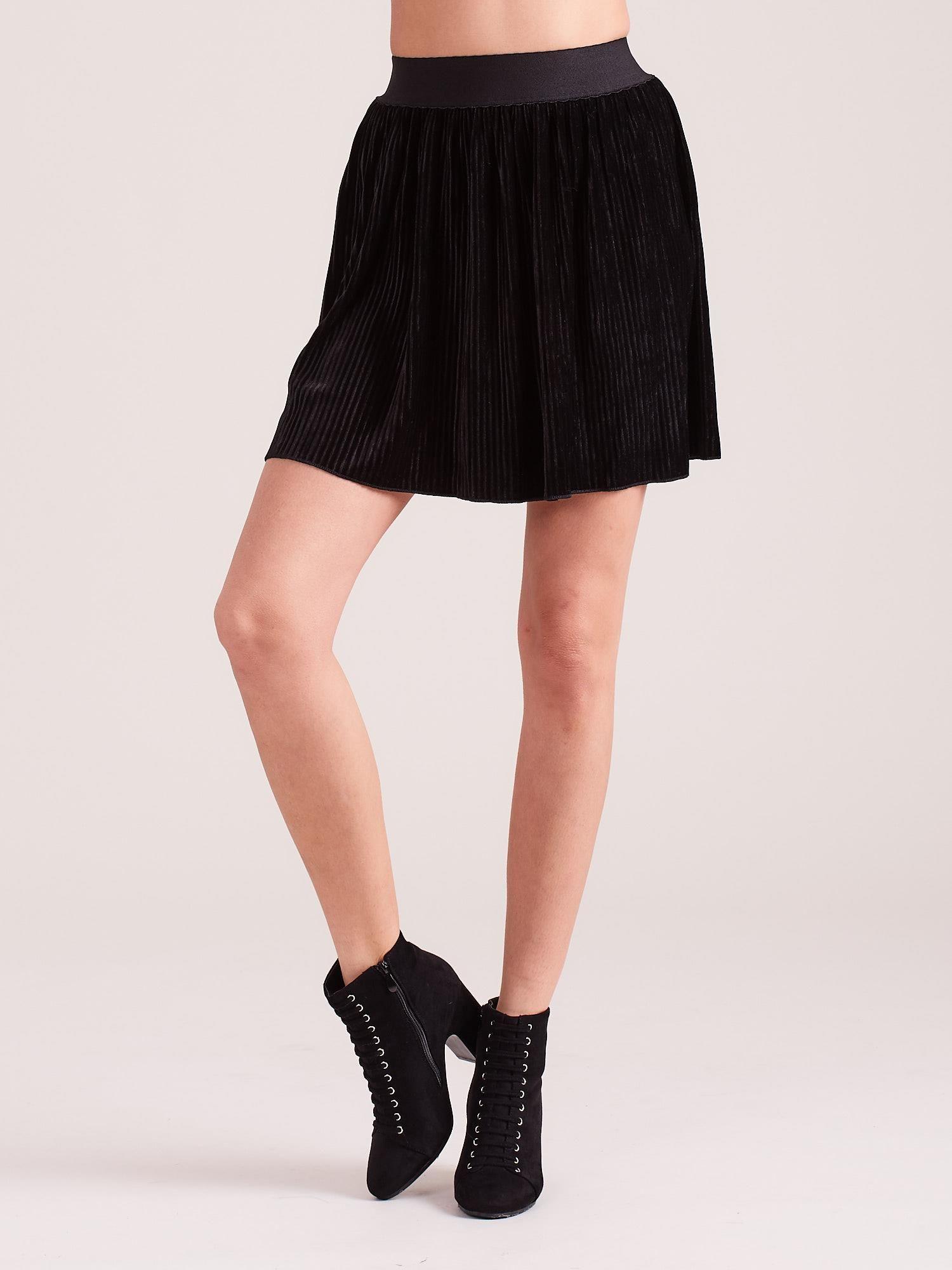 eebb4aaf Czarna welurowa mini spódnica plisowana
