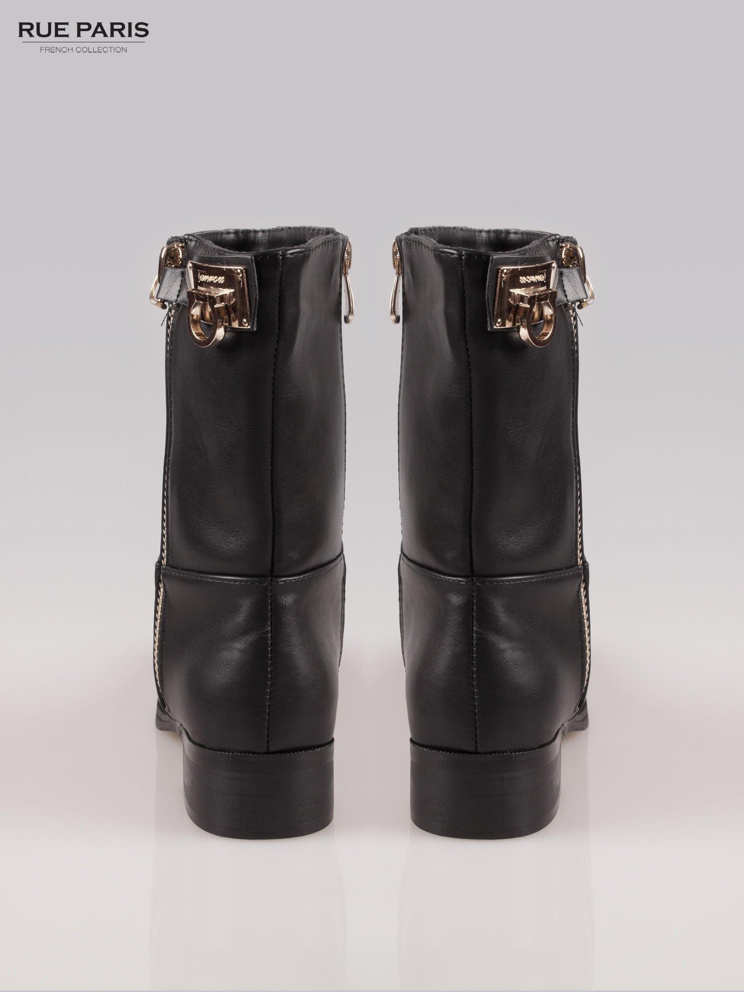 Czarne botki biker boots ze złotą sprzączką i zamkiem                                  zdj.                                  3