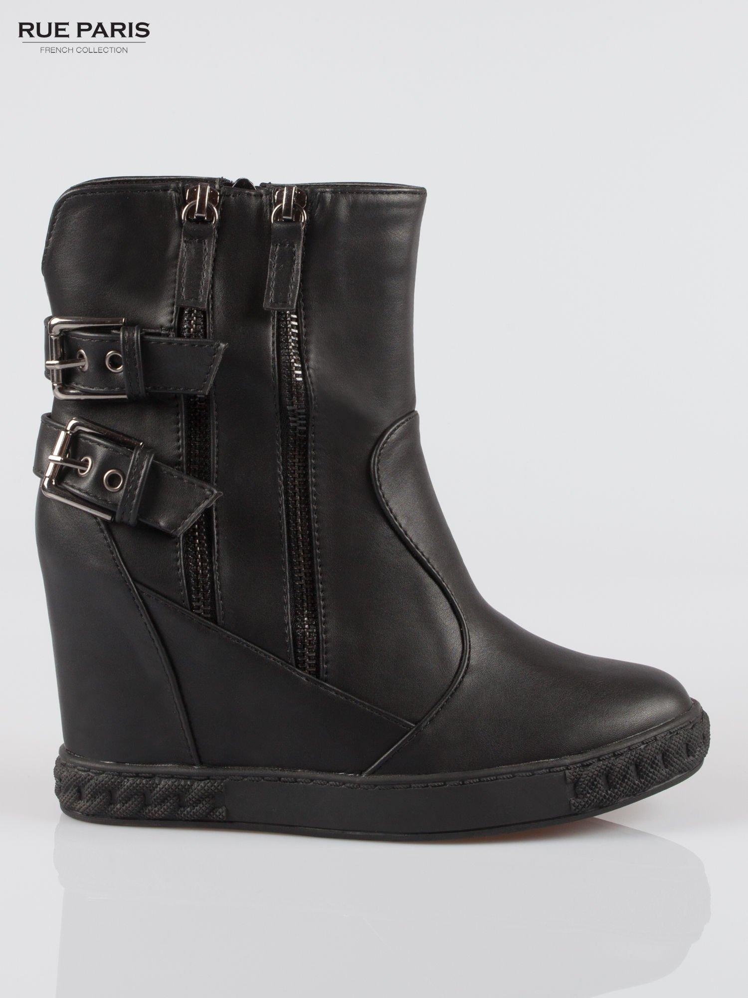 Czarne botki w stylu sneakersów z zamkami i klamrami                                  zdj.                                  1