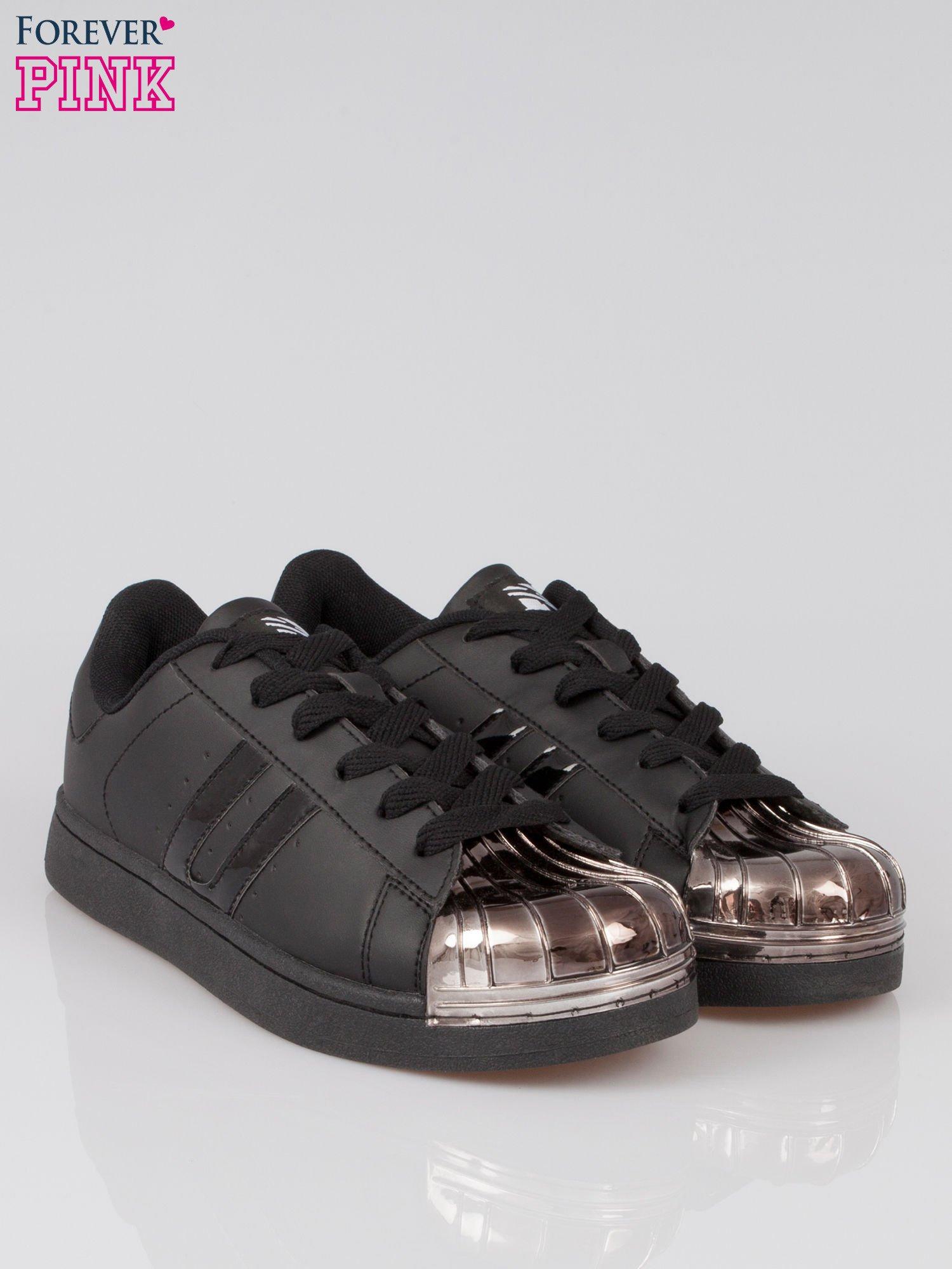 Czarne buty sportowe material Enigmatic z metalicznym czubkiem                                  zdj.                                  2
