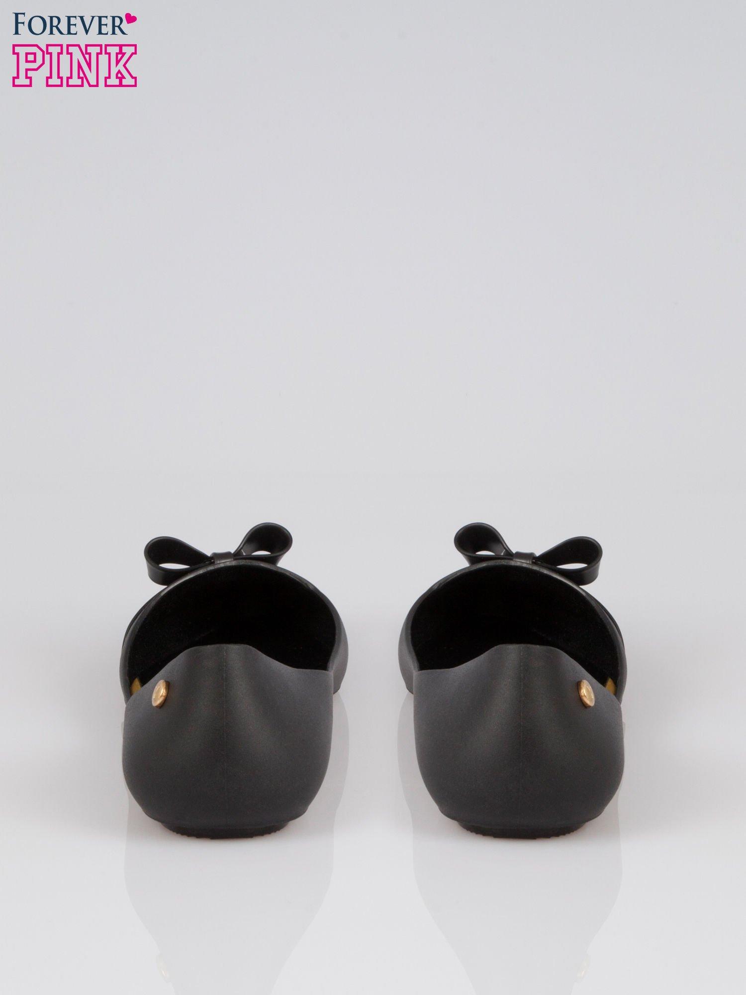 Czarne gumowe balerinki z kokardką                                  zdj.                                  3