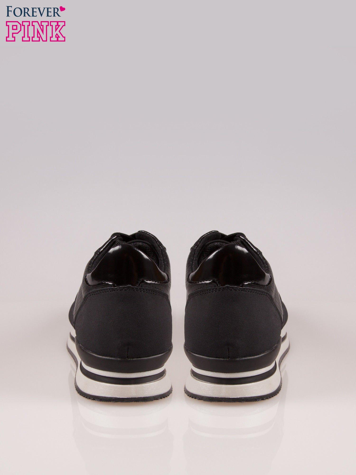 Czarne miejskie buty sportowe na warstwowej podeszwie                                  zdj.                                  3
